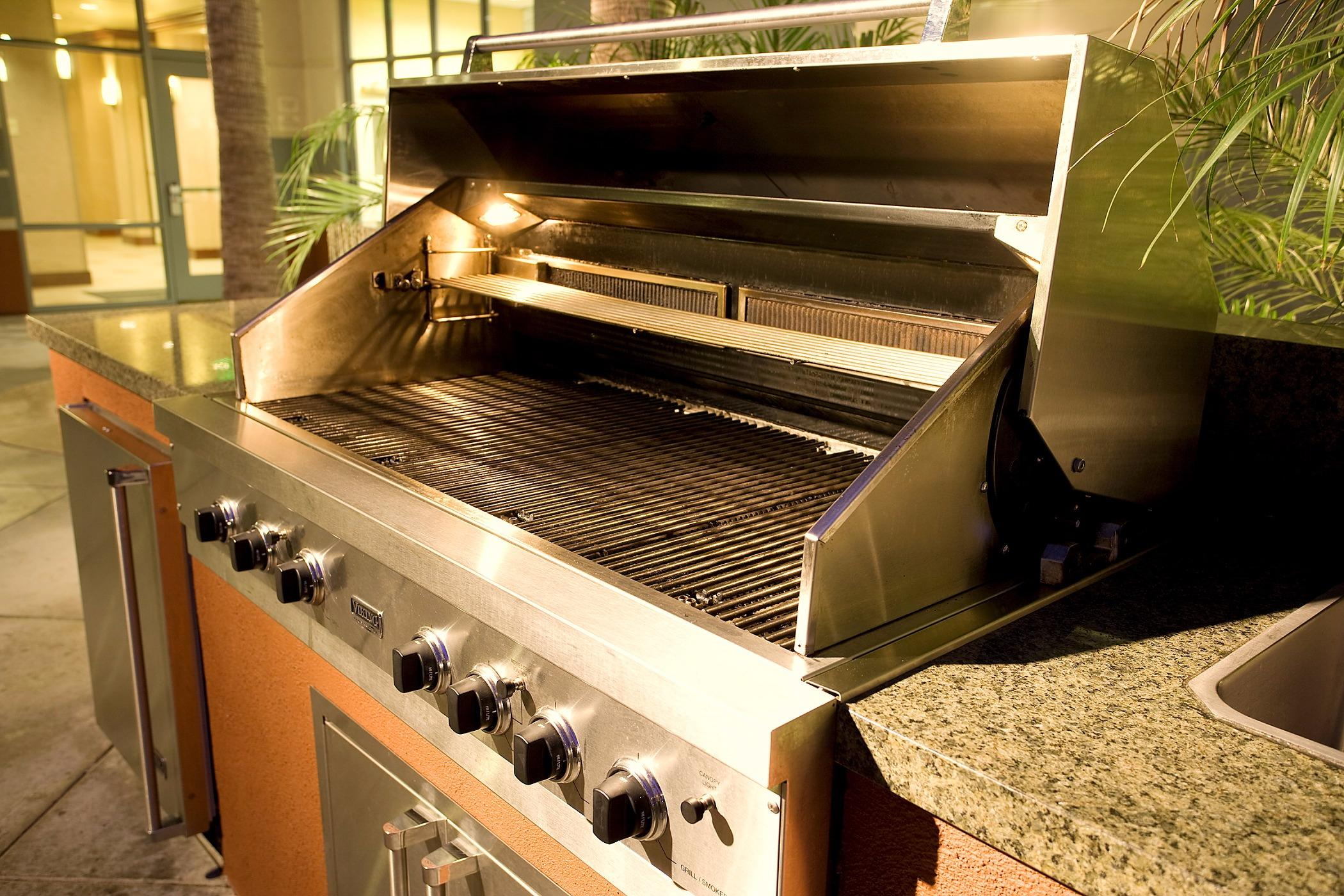 Patio BBQ - Our outdoor grill is available for all guests to use - just like at home!