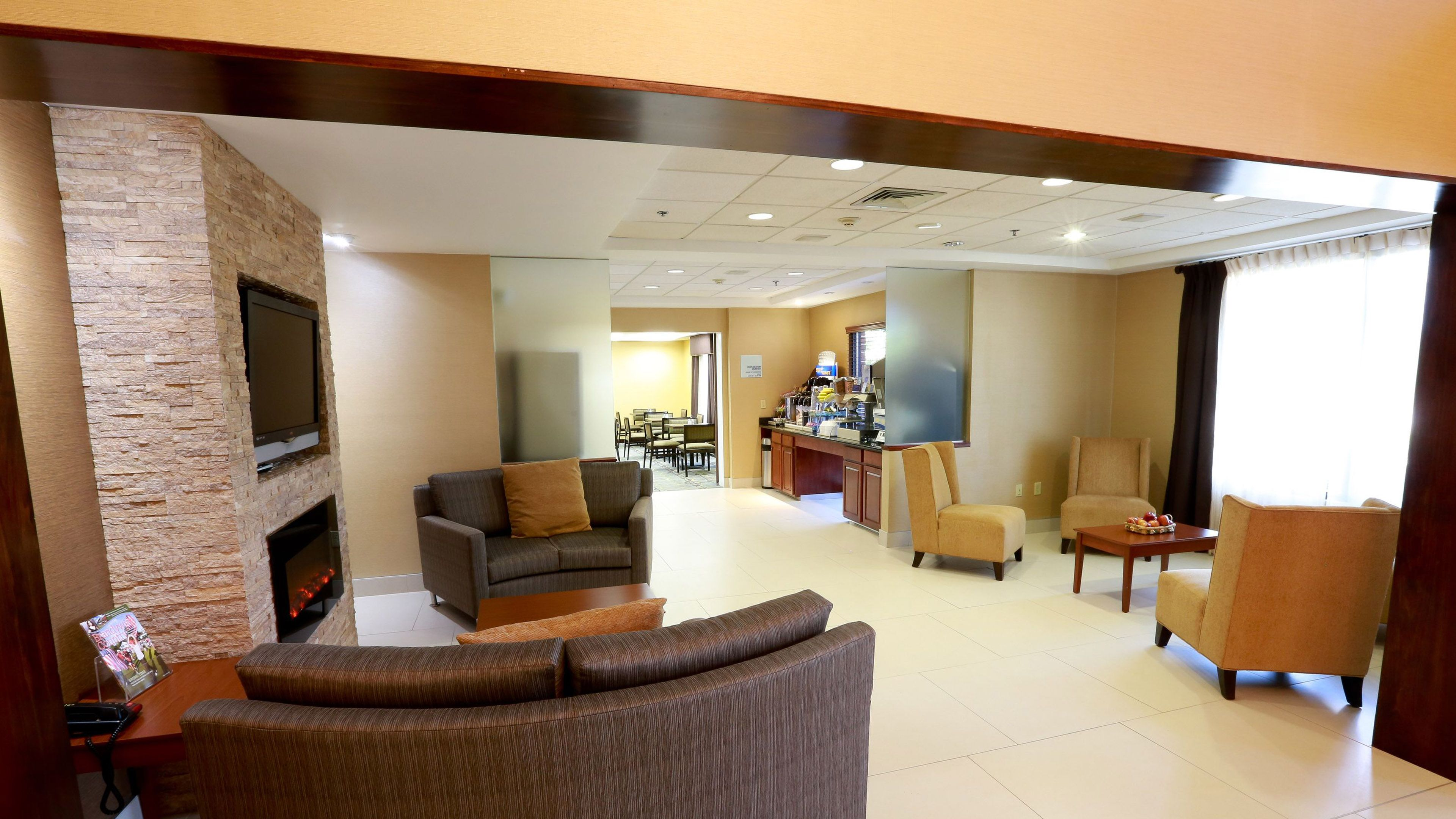 Holiday Inn Express & Suites West Chester image 2
