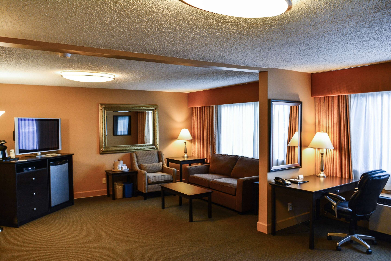 Best Western Cowichan Valley Inn in Duncan: Queen Studio with Sofa Bed