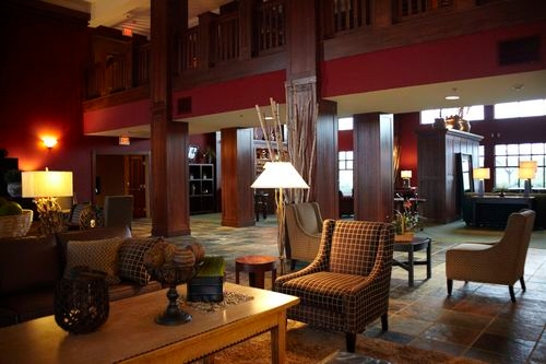 Holiday Inn Pewaukee-Milwaukee West - ad image