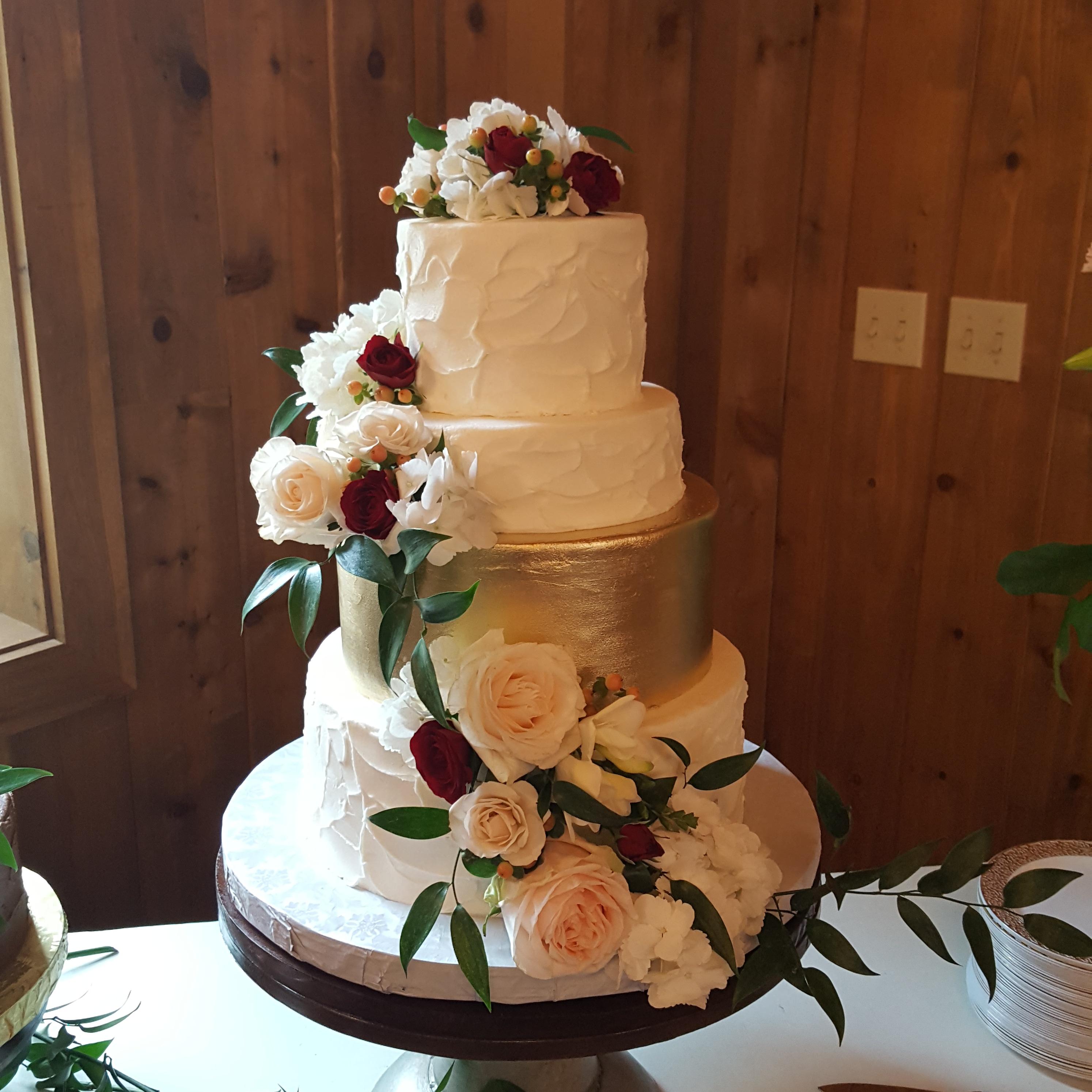 Virginia's Cakes Cafe & Bakery image 0