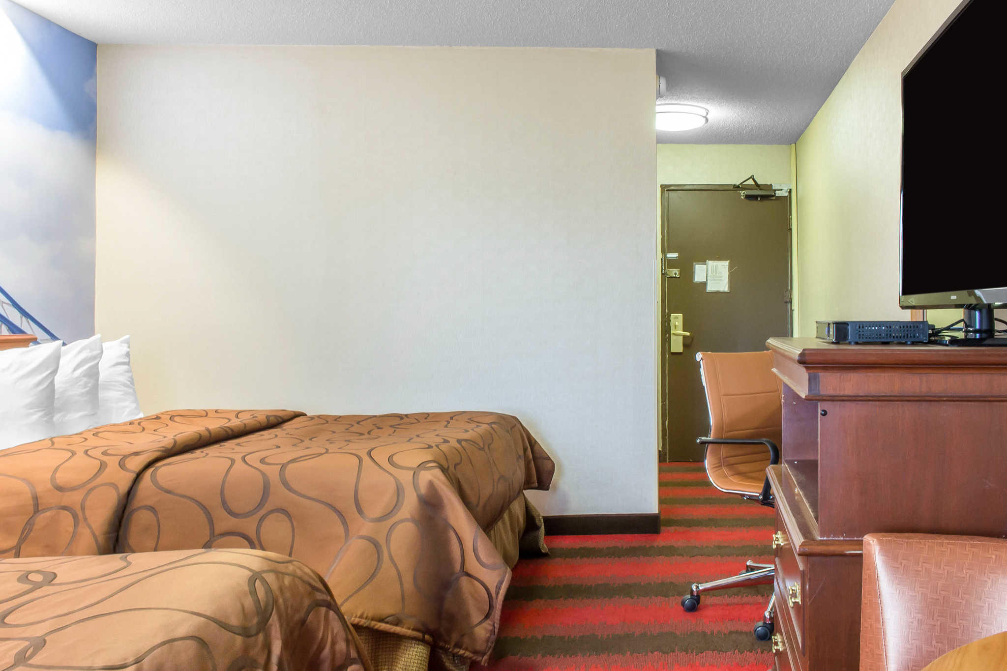 Rodeway Inn Capri image 11