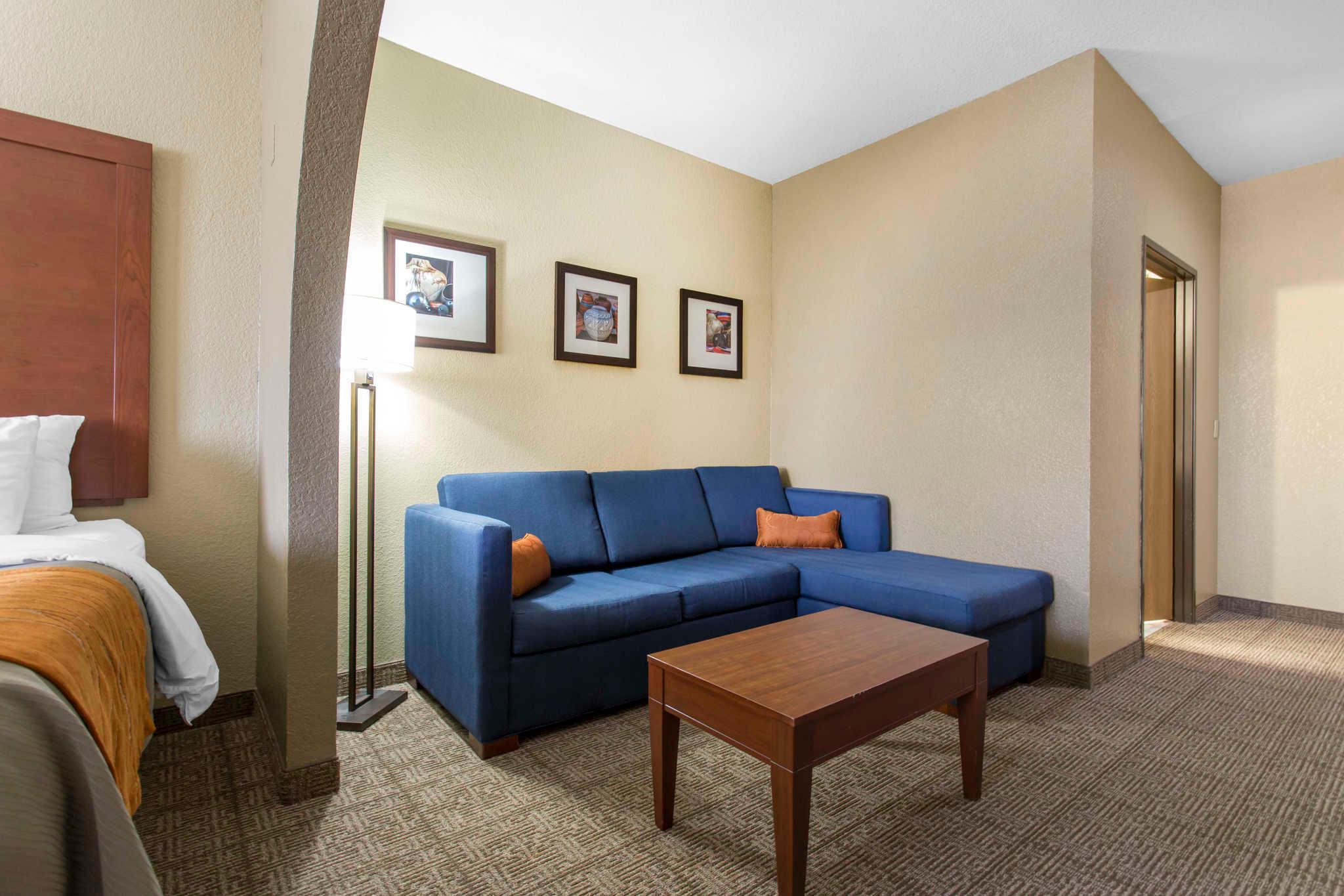 Comfort Inn & Suites image 19