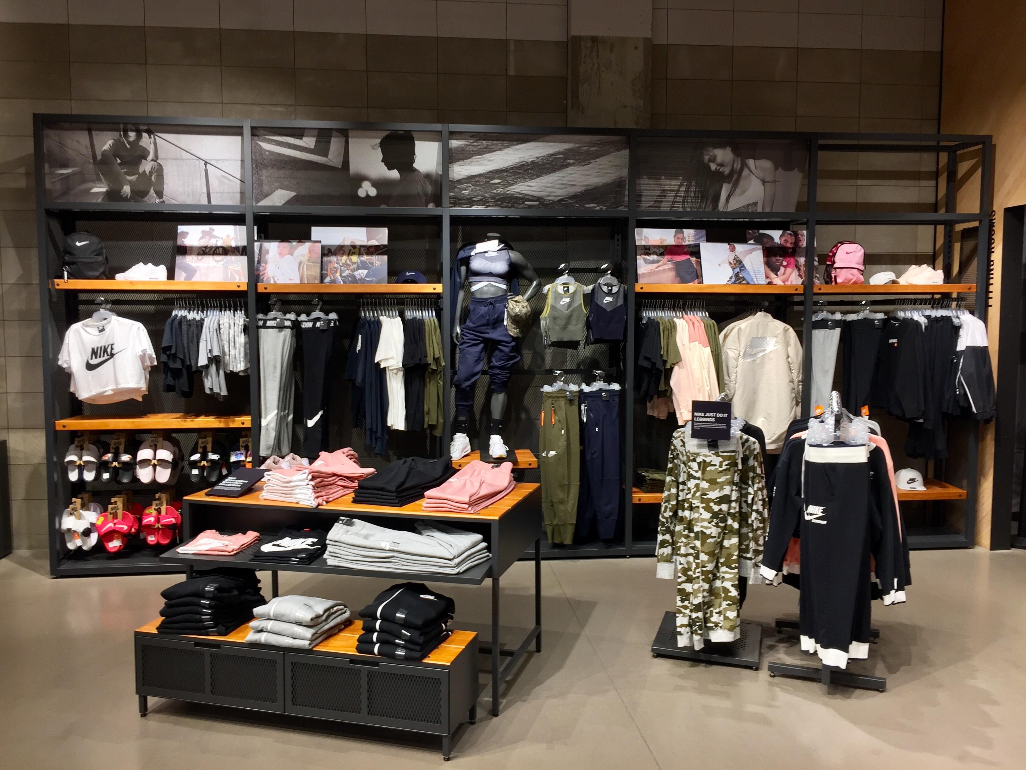 De Amarillas Deporte Páginas Ropa Maquinista Nike Store xIO8qYwOt at ... 4c6d9aa1a5096
