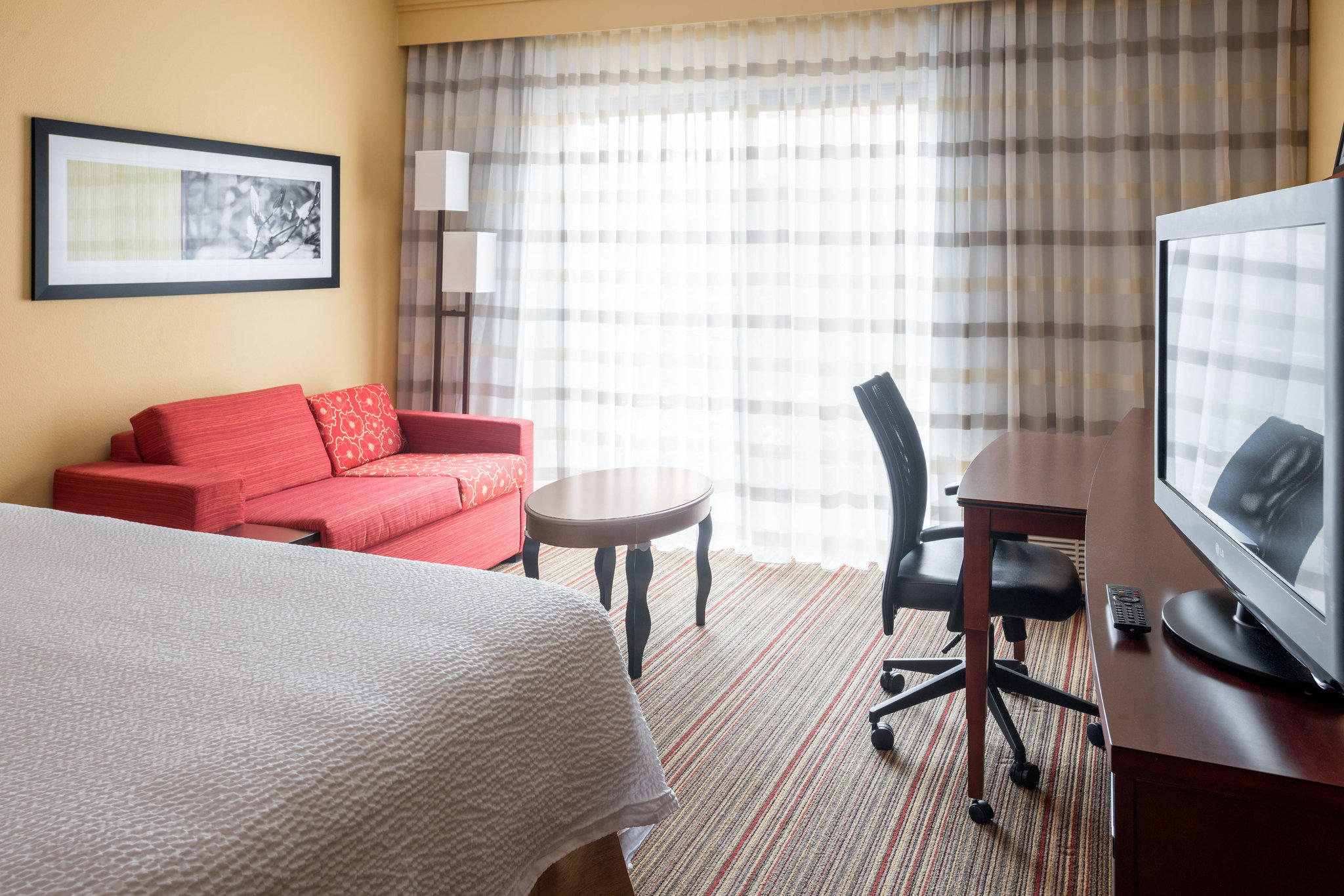 Courtyard by Marriott Indianapolis Airport