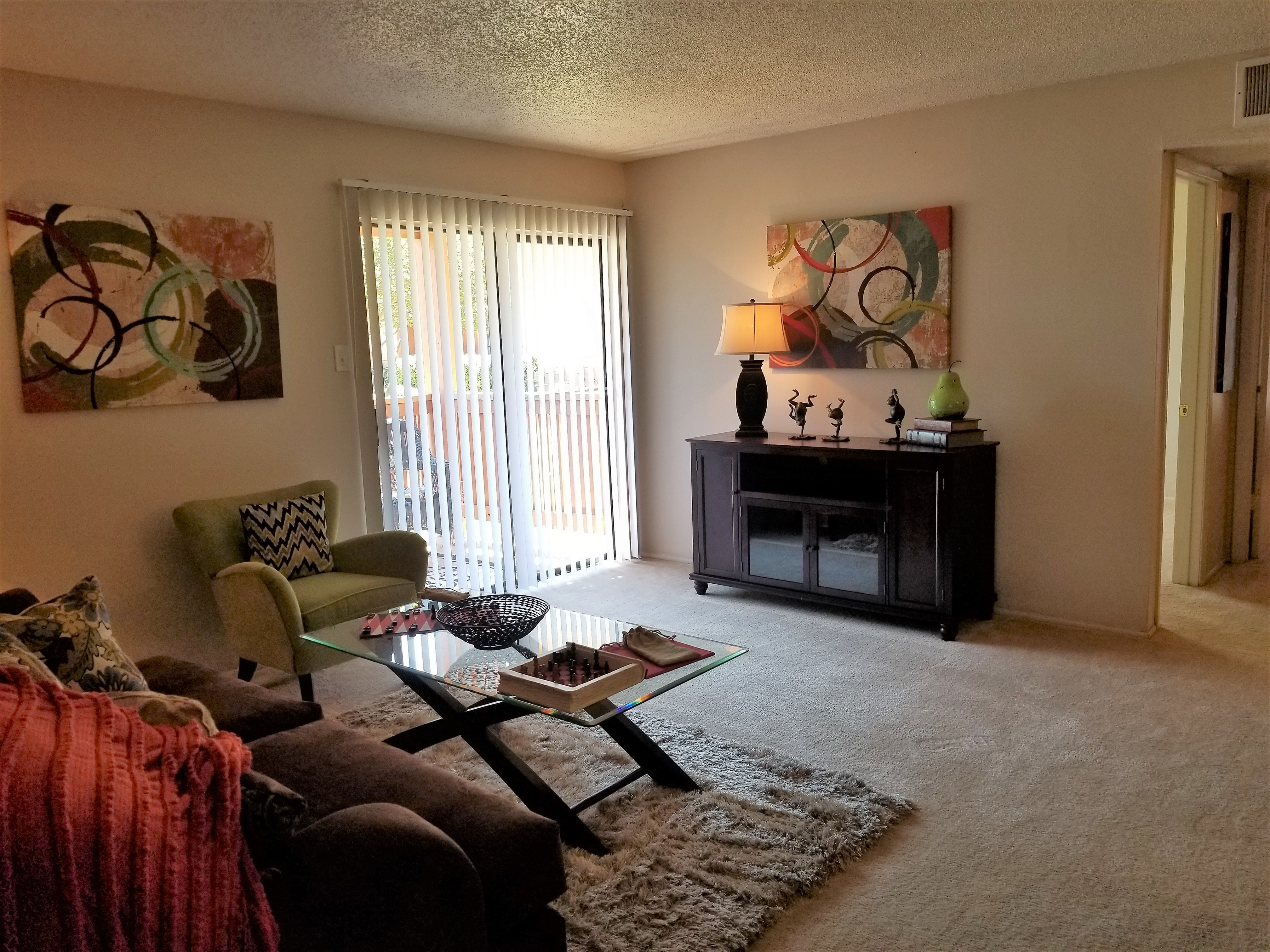 Iron Horse Valley Apartments image 0