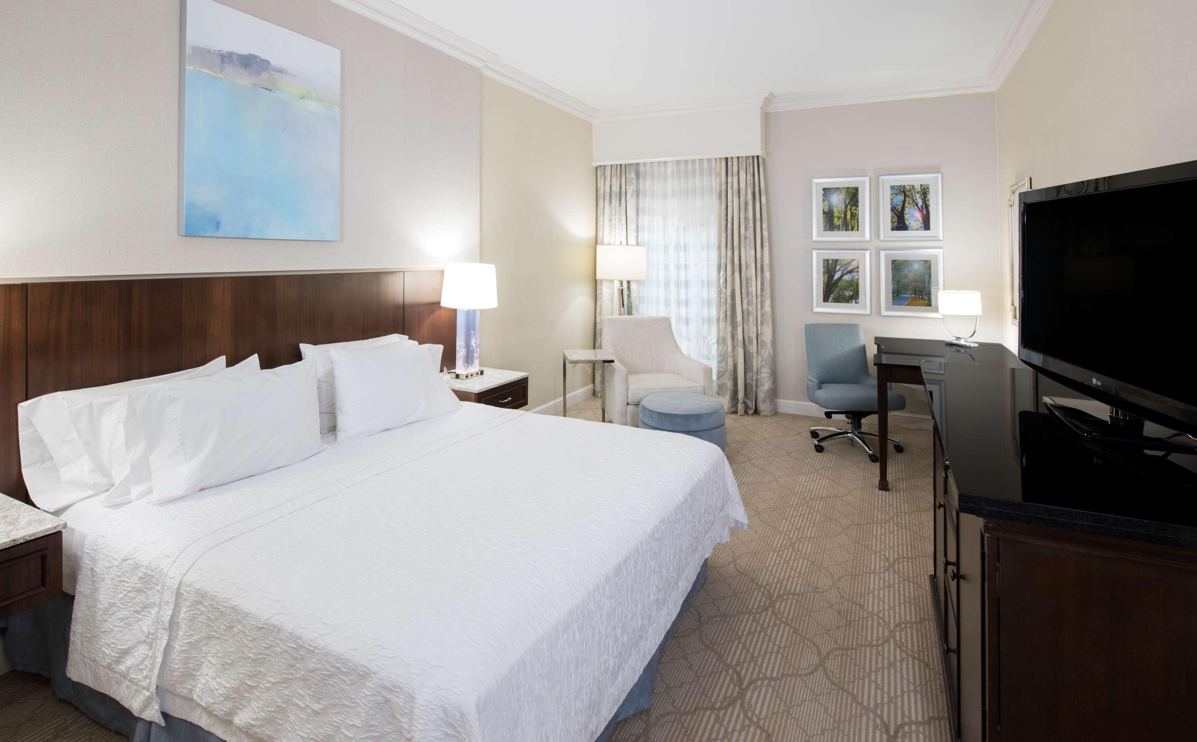 Hampton Inn & Suites Charlotte/South Park at Phillips Place image 24