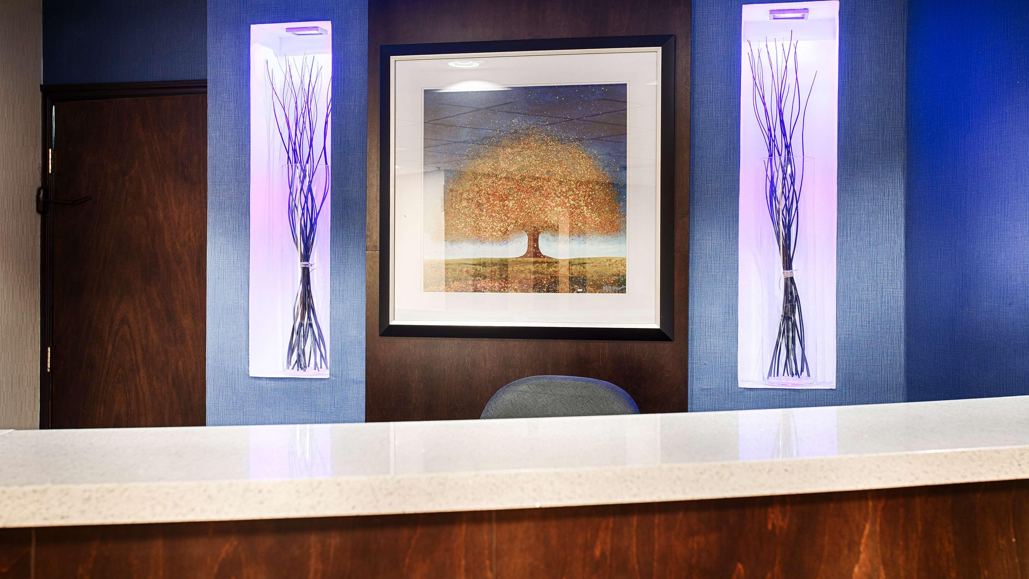 Best Western Plus Berkshire Hills Inn & Suites image 4