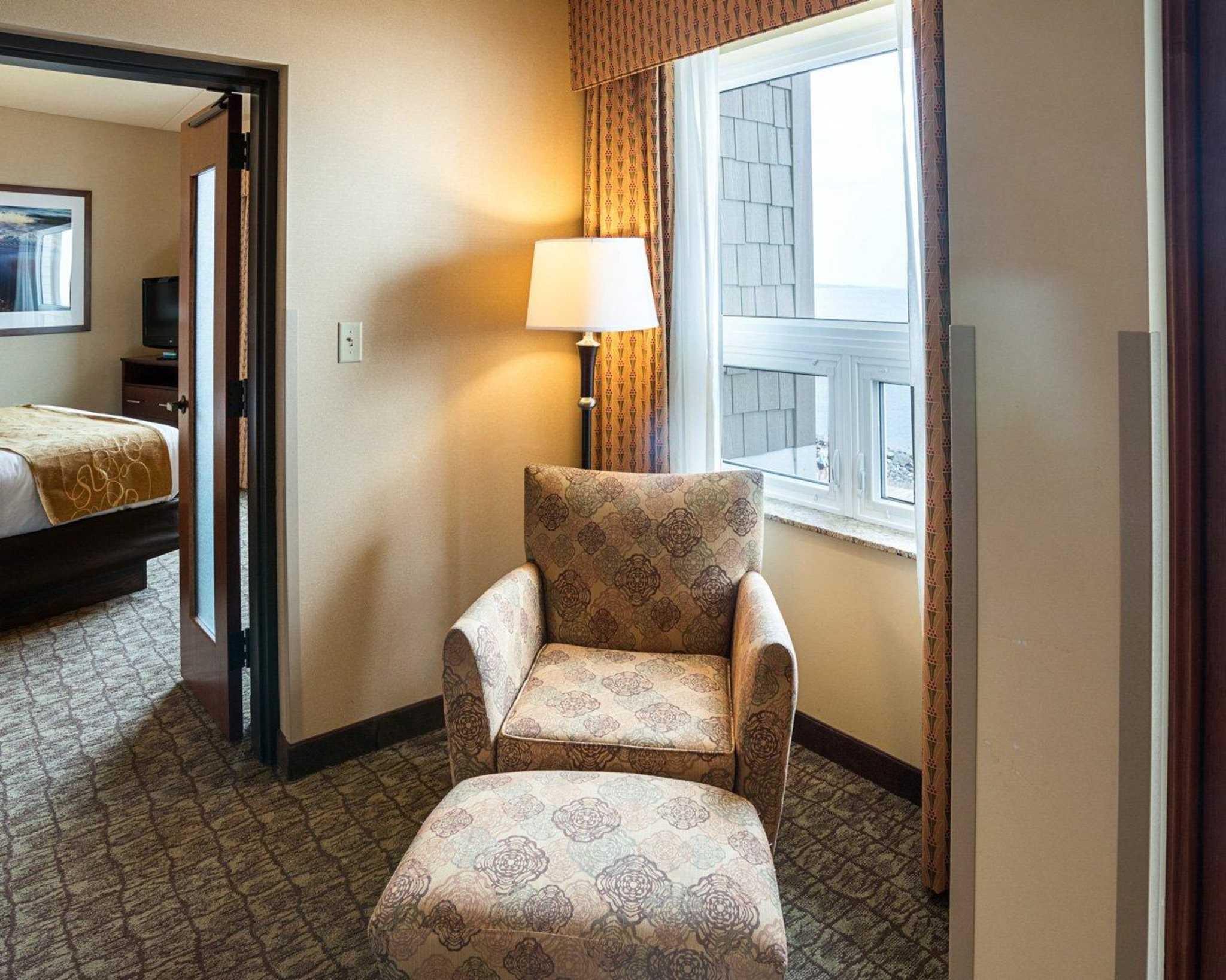 Comfort Suites Canal Park image 52