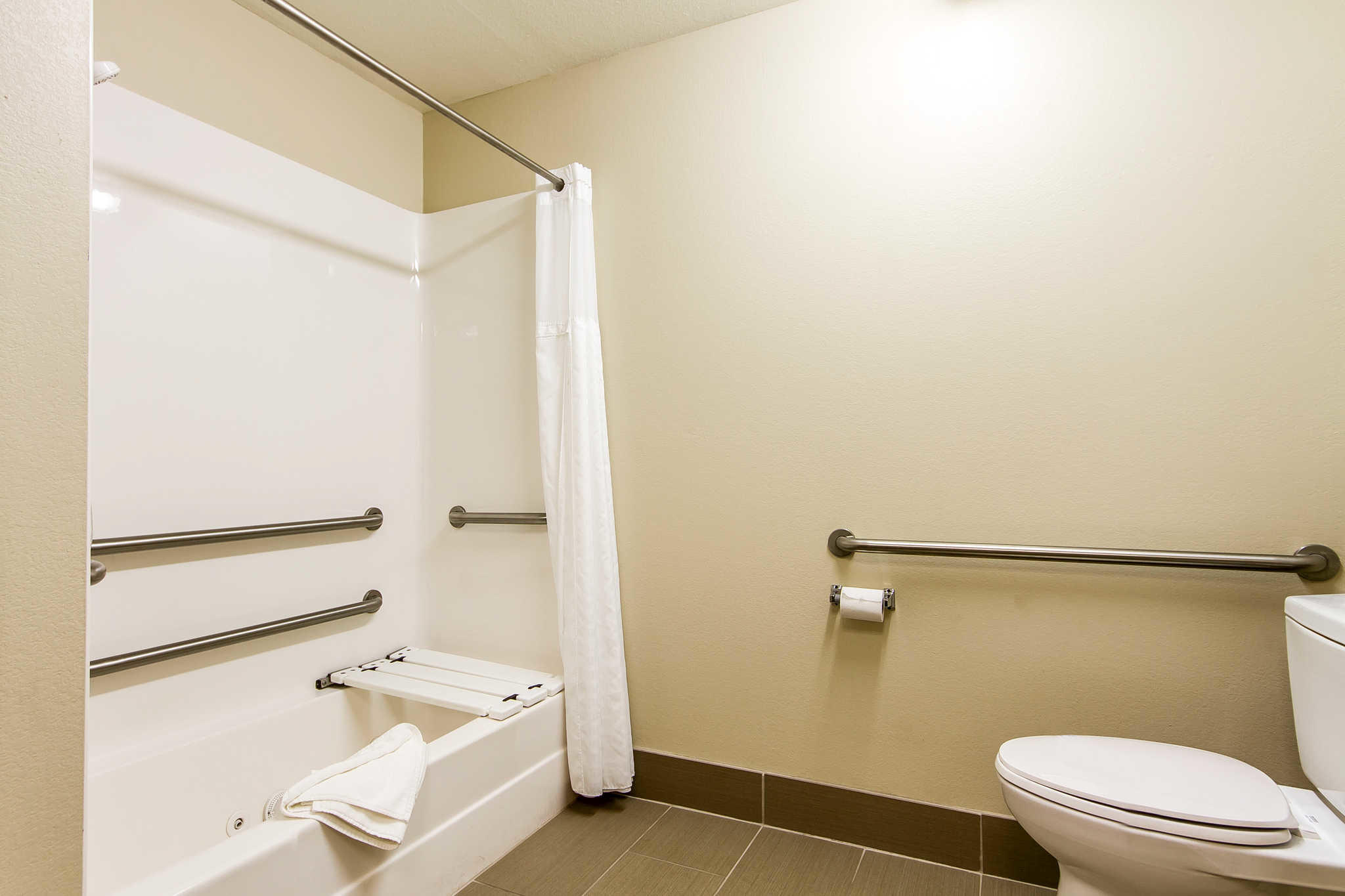 Comfort Inn & Suites Redwood Country image 15