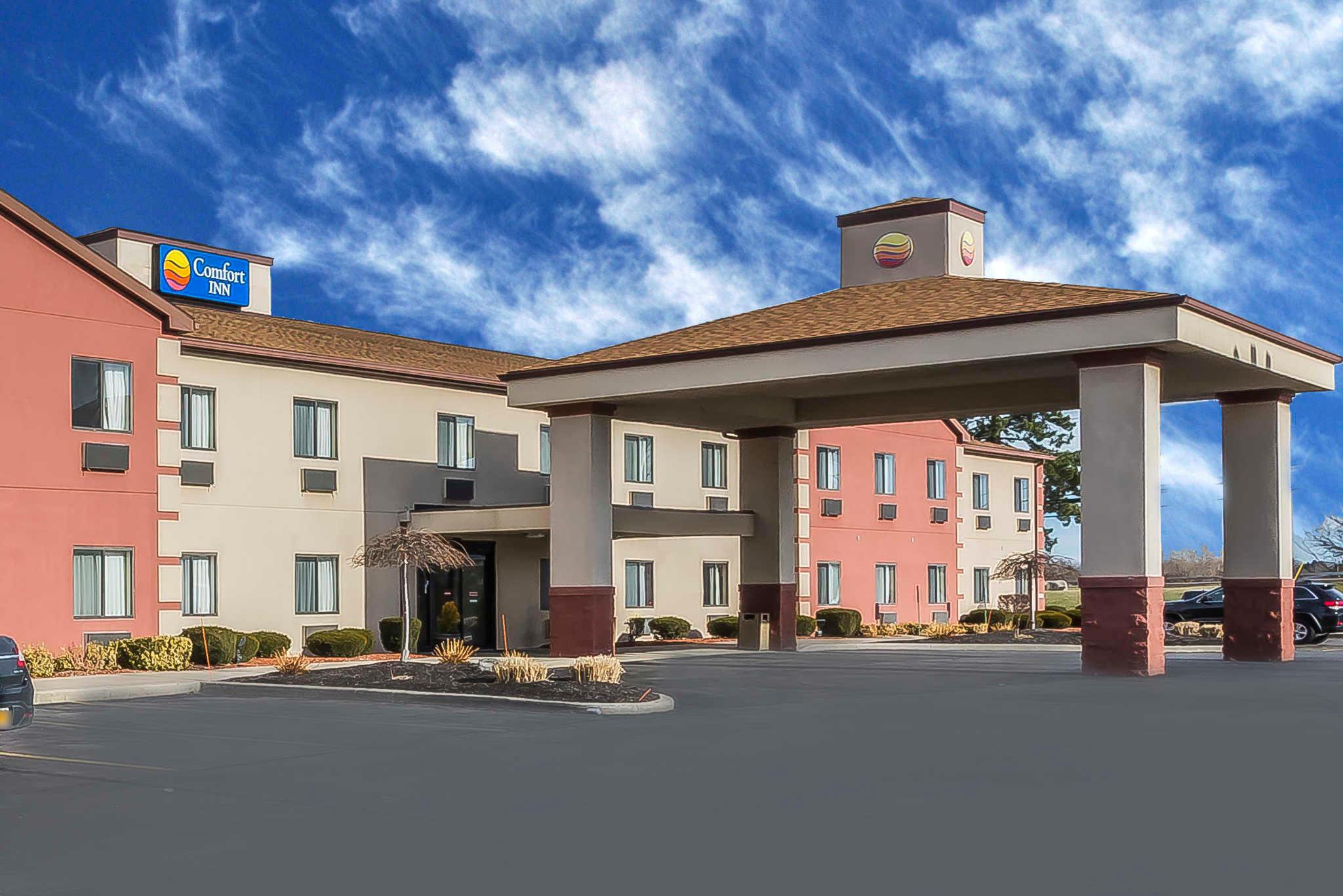Comfort Inn Batavia-Darien - Amusement Park Area image 0