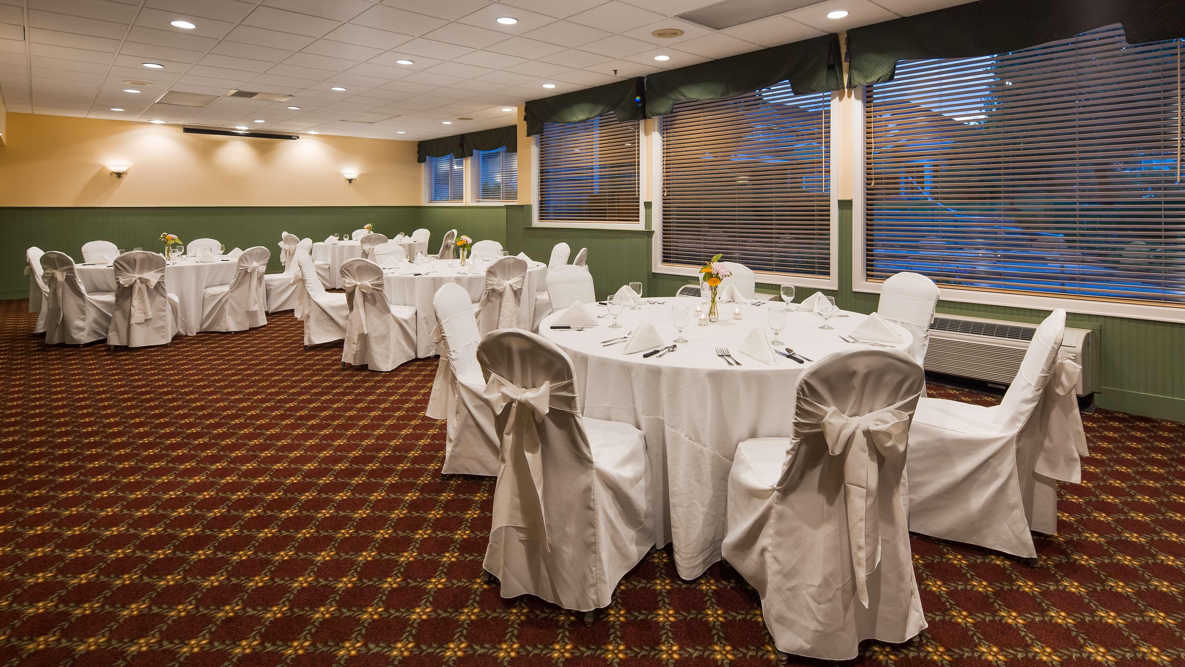 Best Western Plus Windjammer Inn & Conference Center image 33