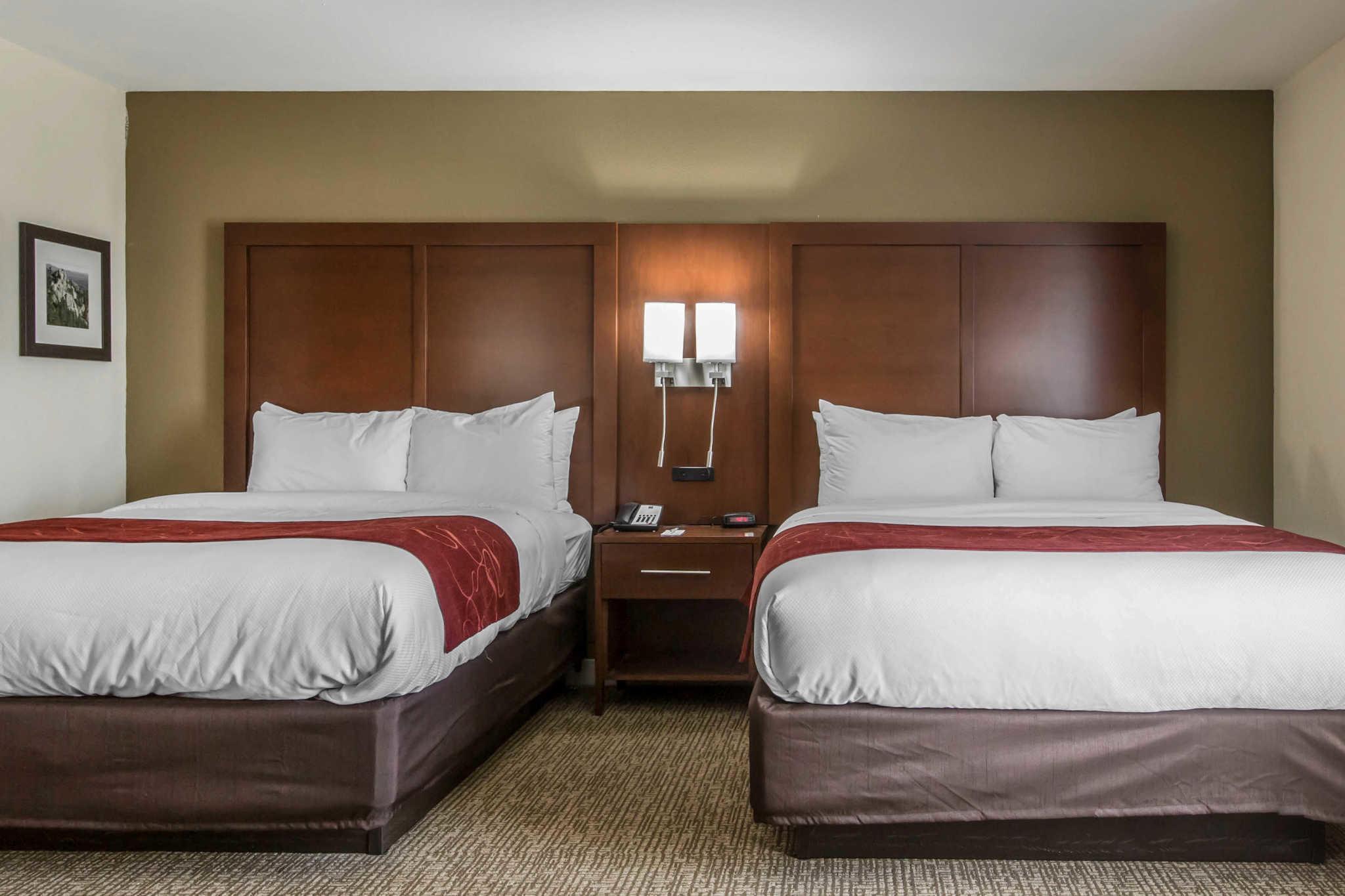 Comfort Inn & Suites West image 20