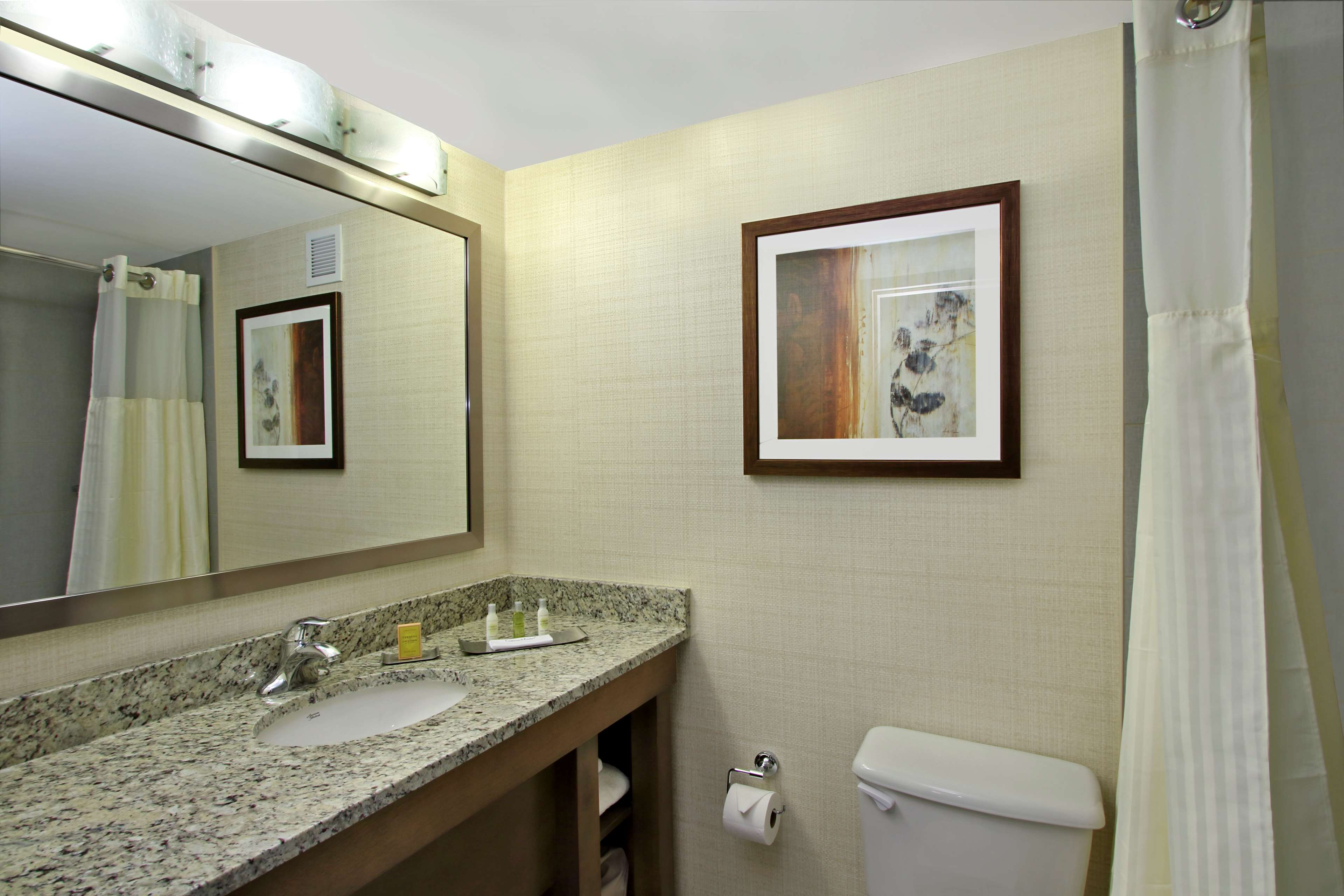 DoubleTree by Hilton Hotel Mahwah image 19