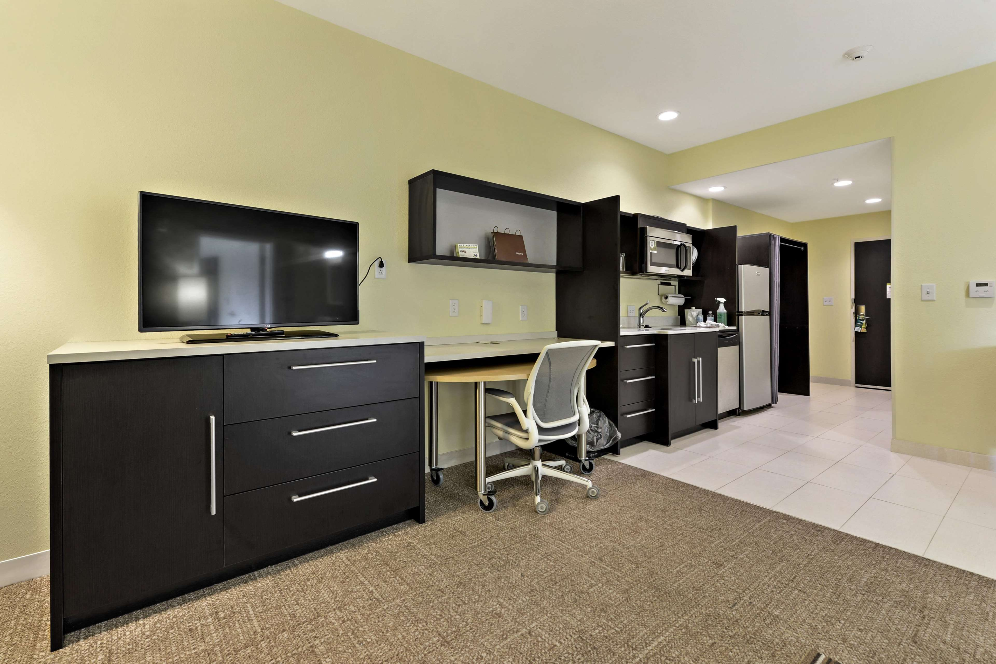 Home2 Suites by Hilton Gulfport I-10 image 24