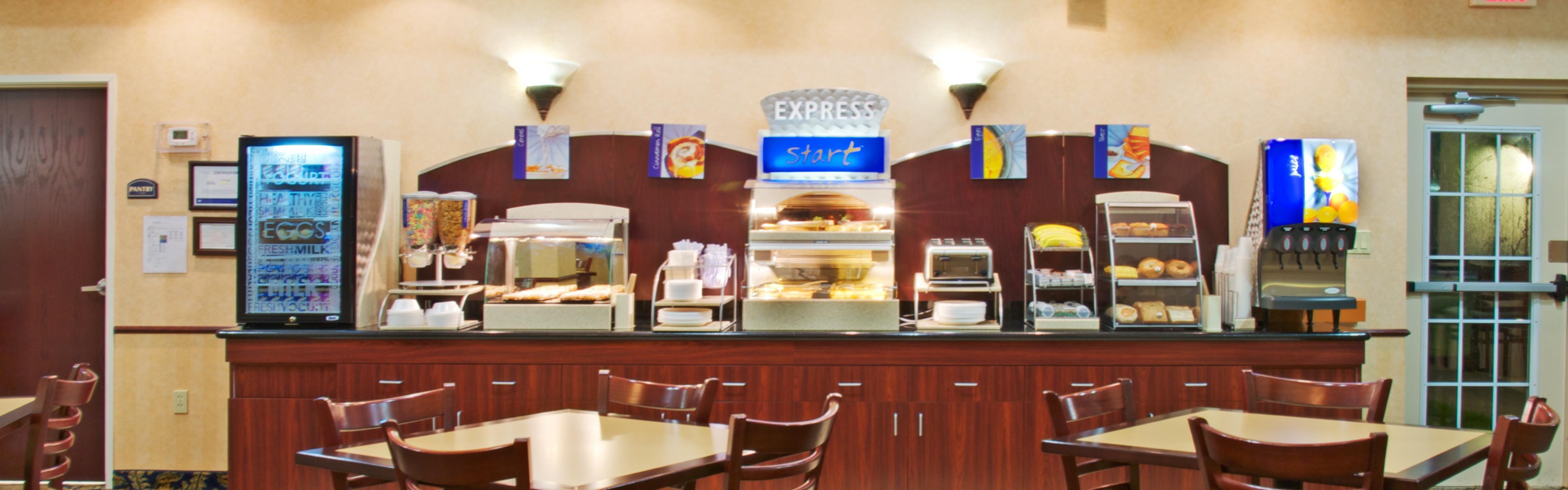 Holiday Inn Express Orange image 3