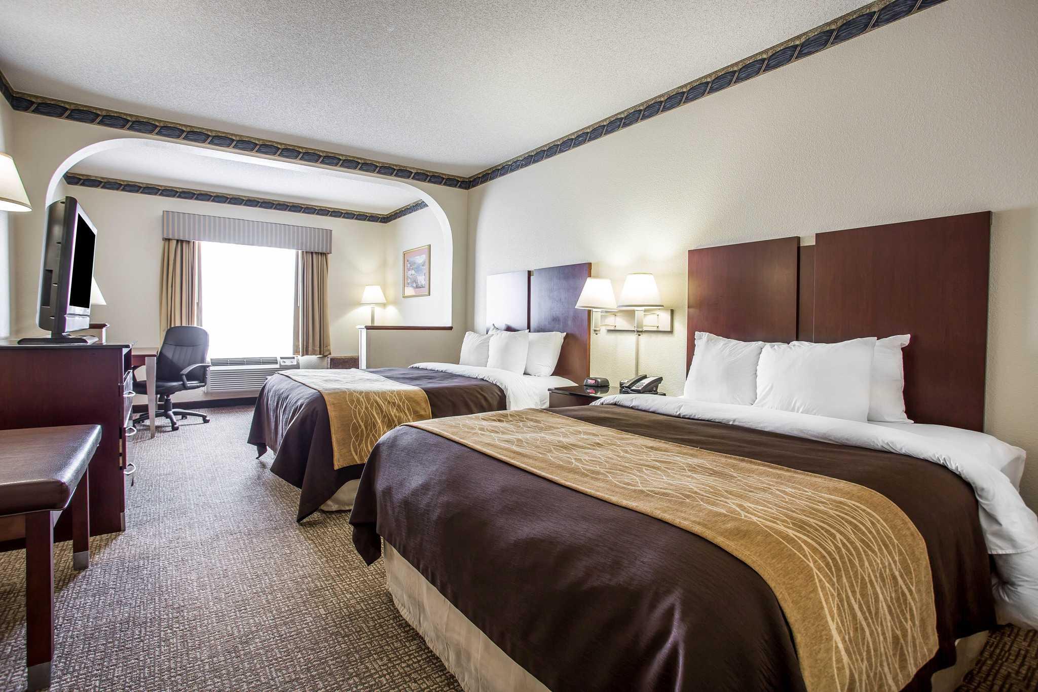 Comfort Inn & Suites Ft.Jackson Maingate image 1