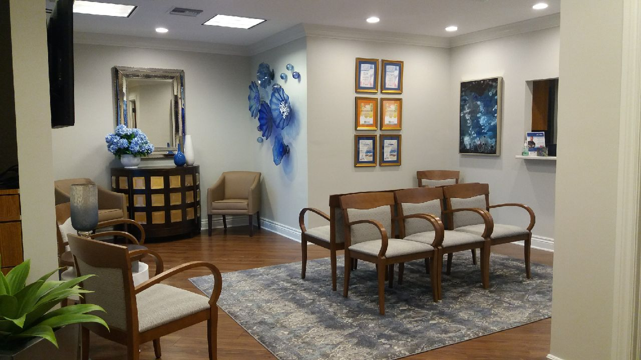 Azul Cosmetic Surgery and Medical Spa image 21