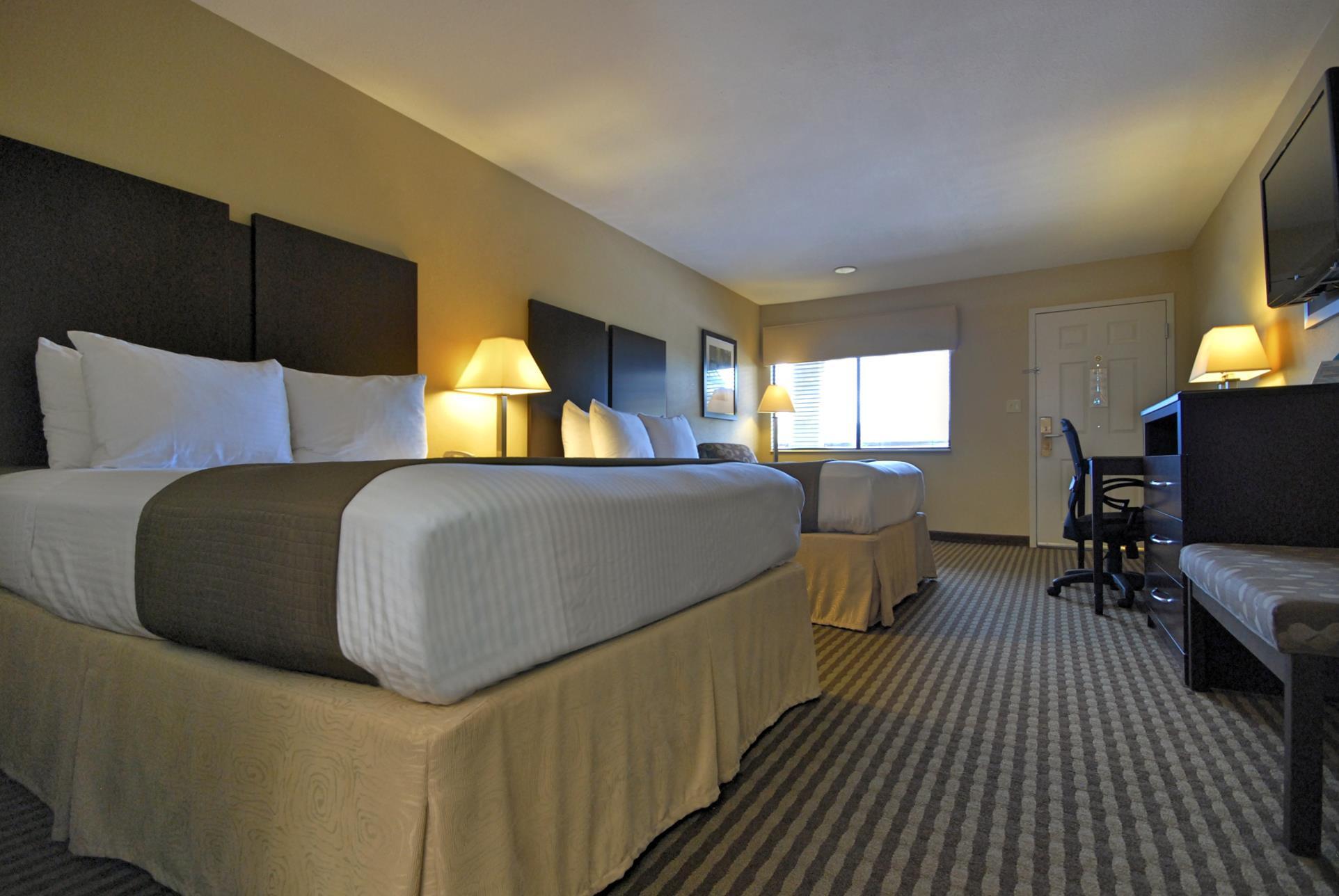 Best Western Cedar Inn image 16