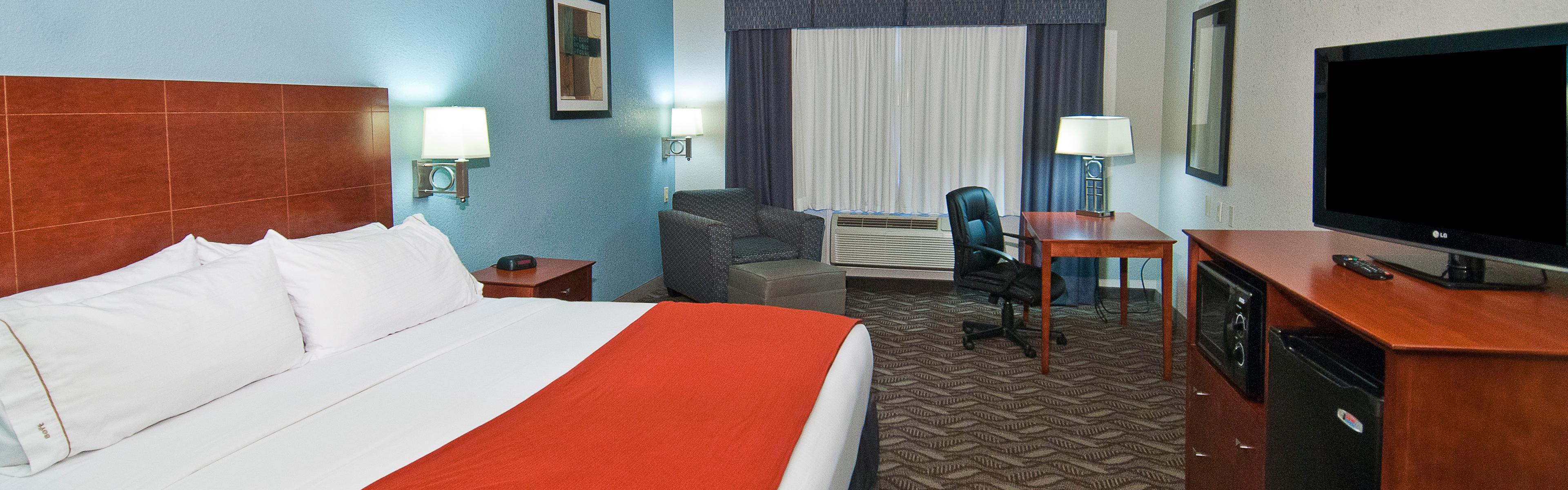 Holiday Inn Express & Suites Lake Charles image 1