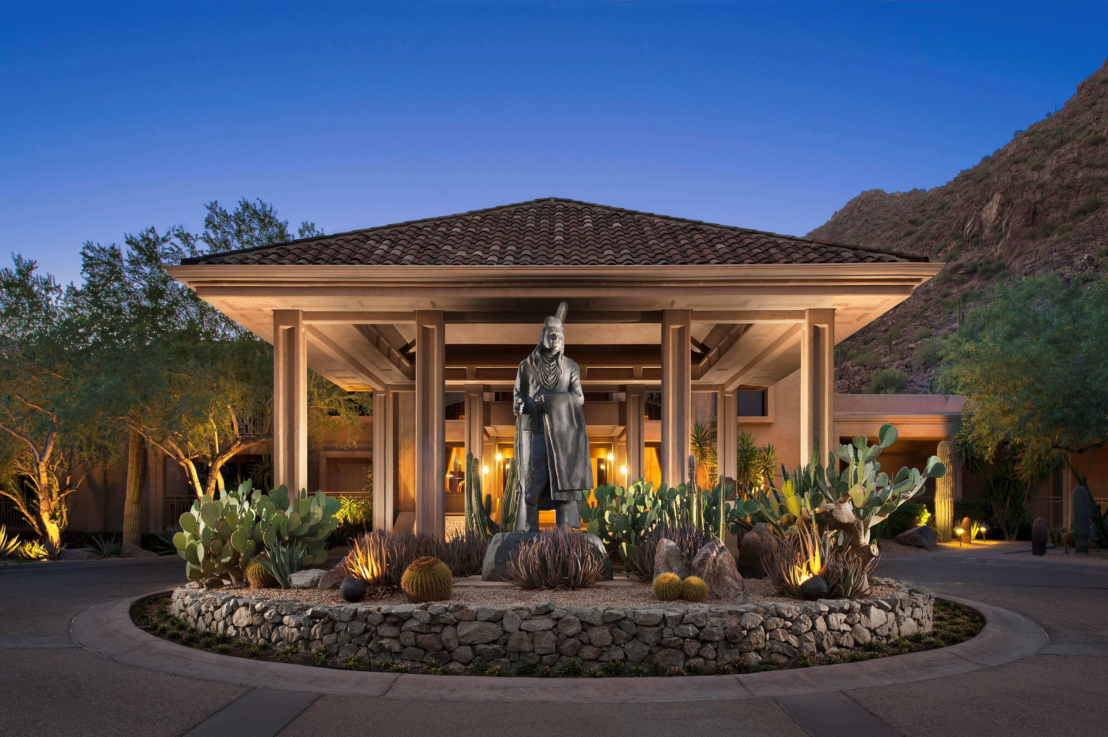 The Canyon Suites at The Phoenician, a Luxury Collection Resort, Scottsdale image 1