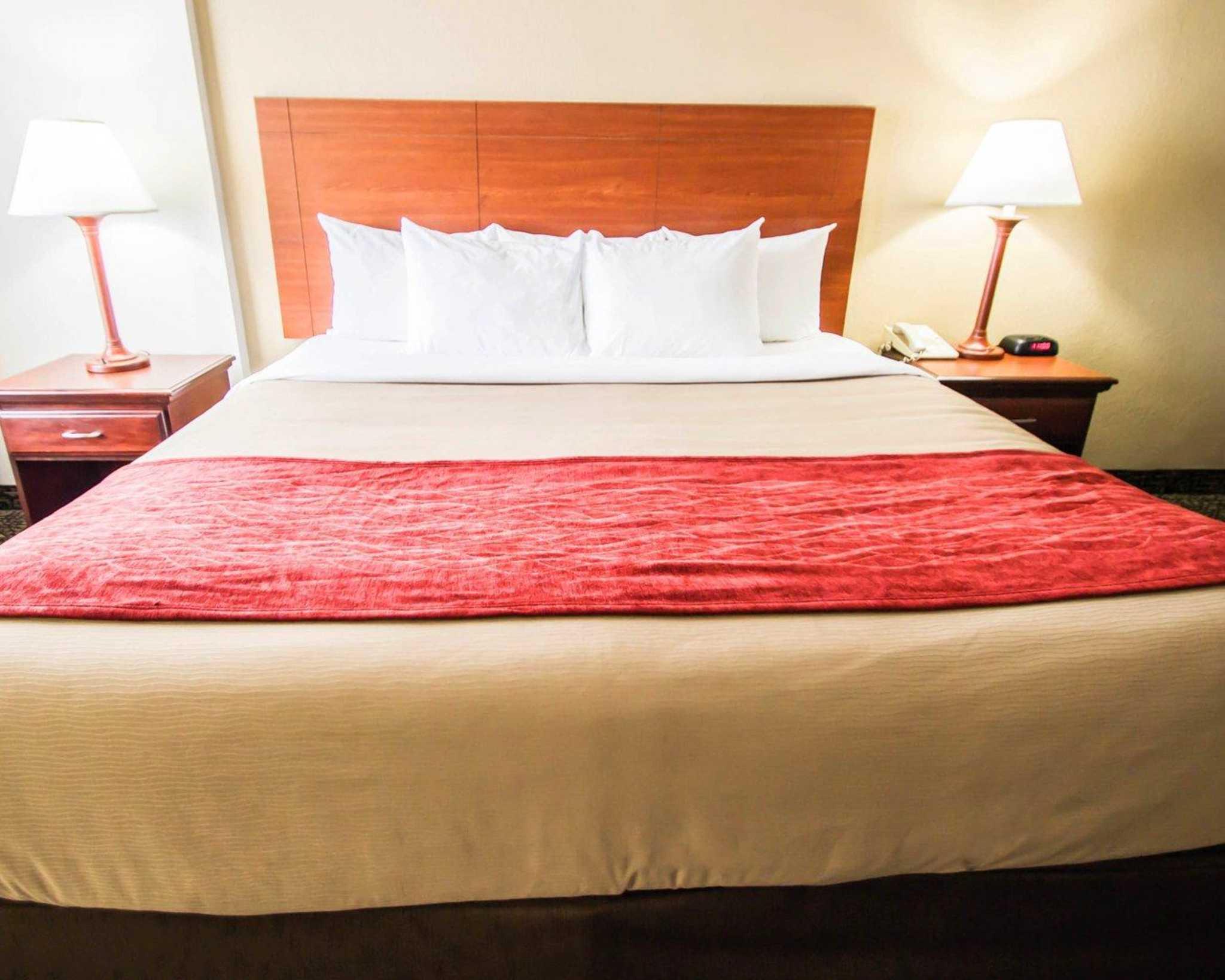 Quality Inn & Suites Winter Park Village Area image 6