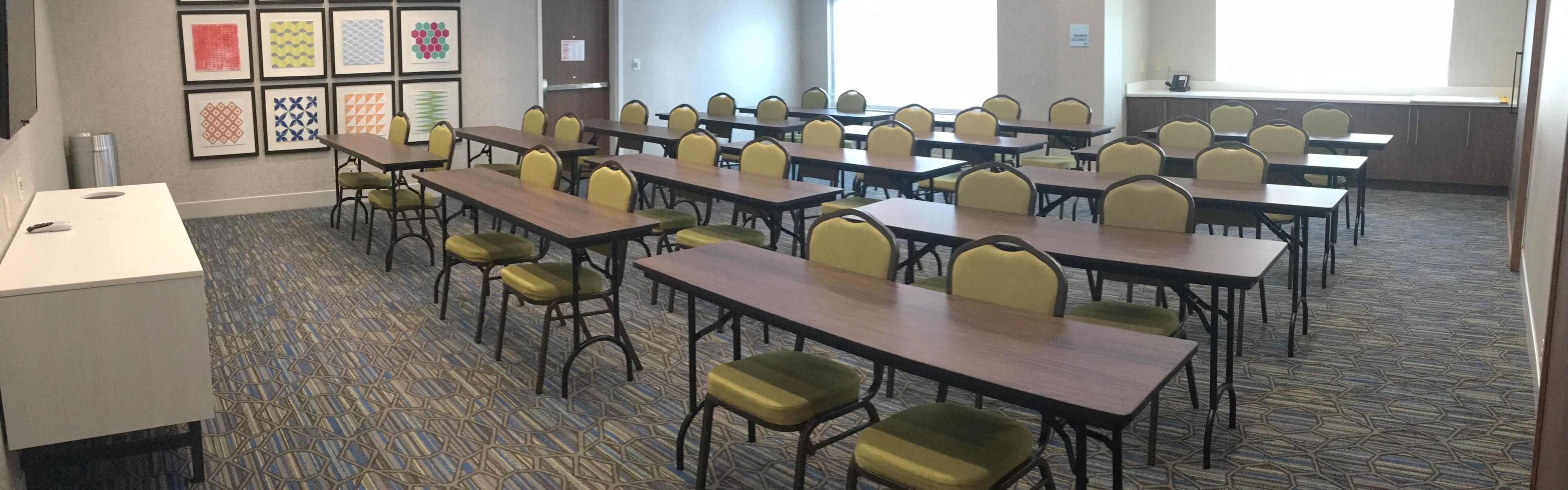 Holiday Inn Express & Suites Southaven Central - Memphis image 4