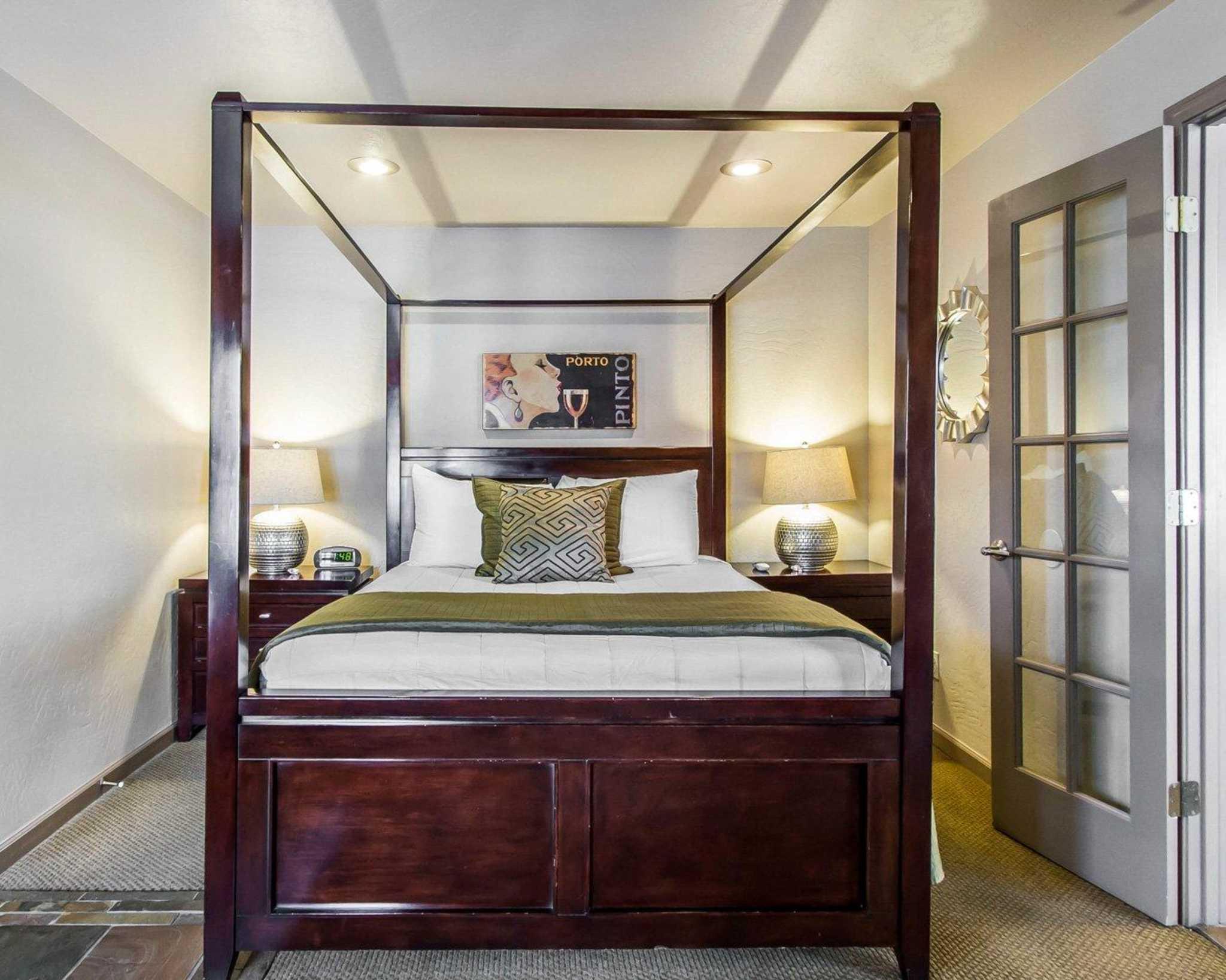 Rodeway Inn & Suites Downtowner-Rte 66 image 27