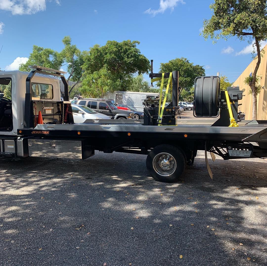 Bell Towing, LLC. image 0