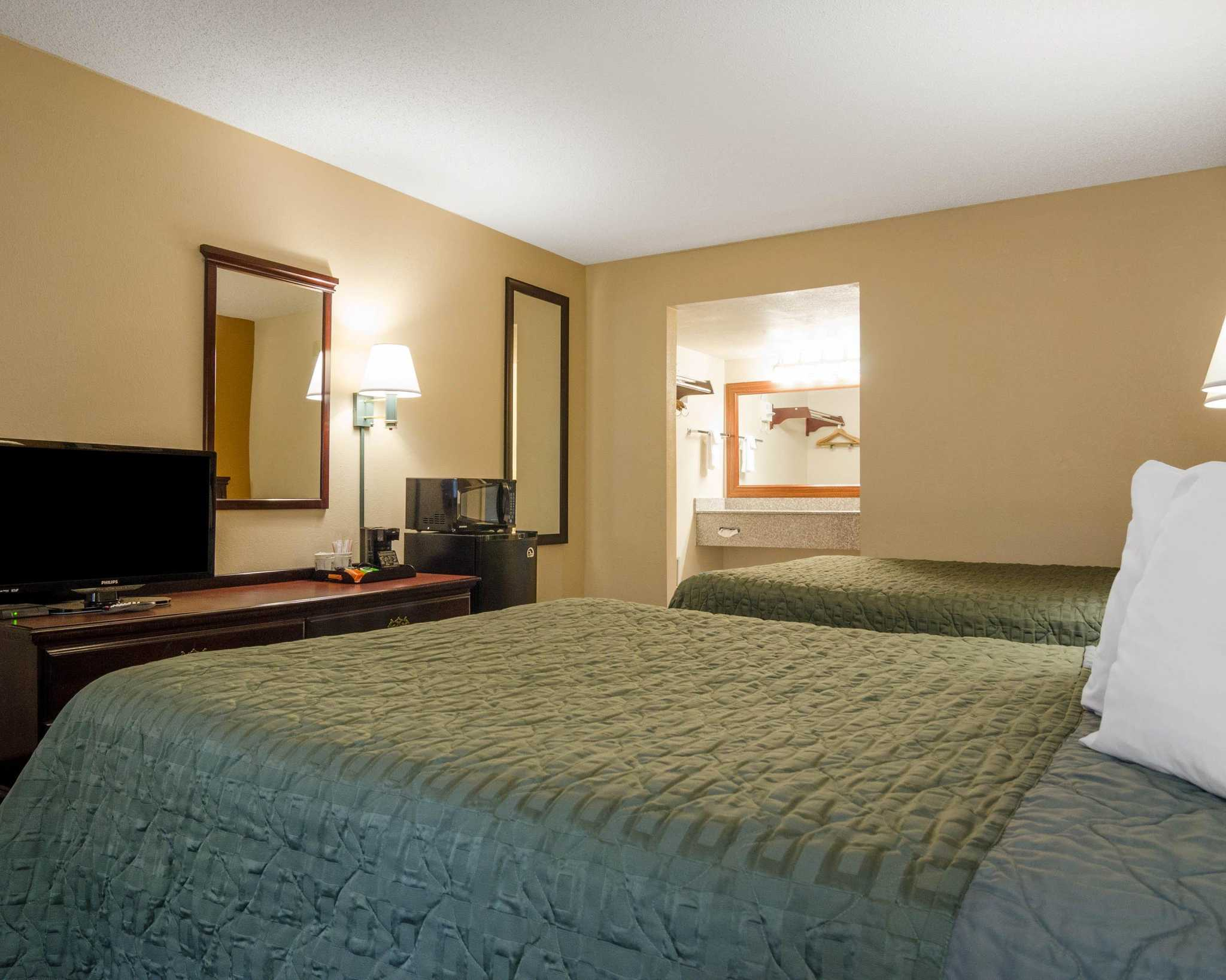 Quality Inn image 15