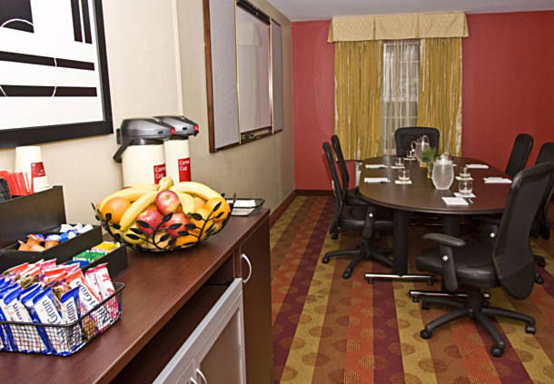 TownePlace Suites by Marriott Fresno image 8