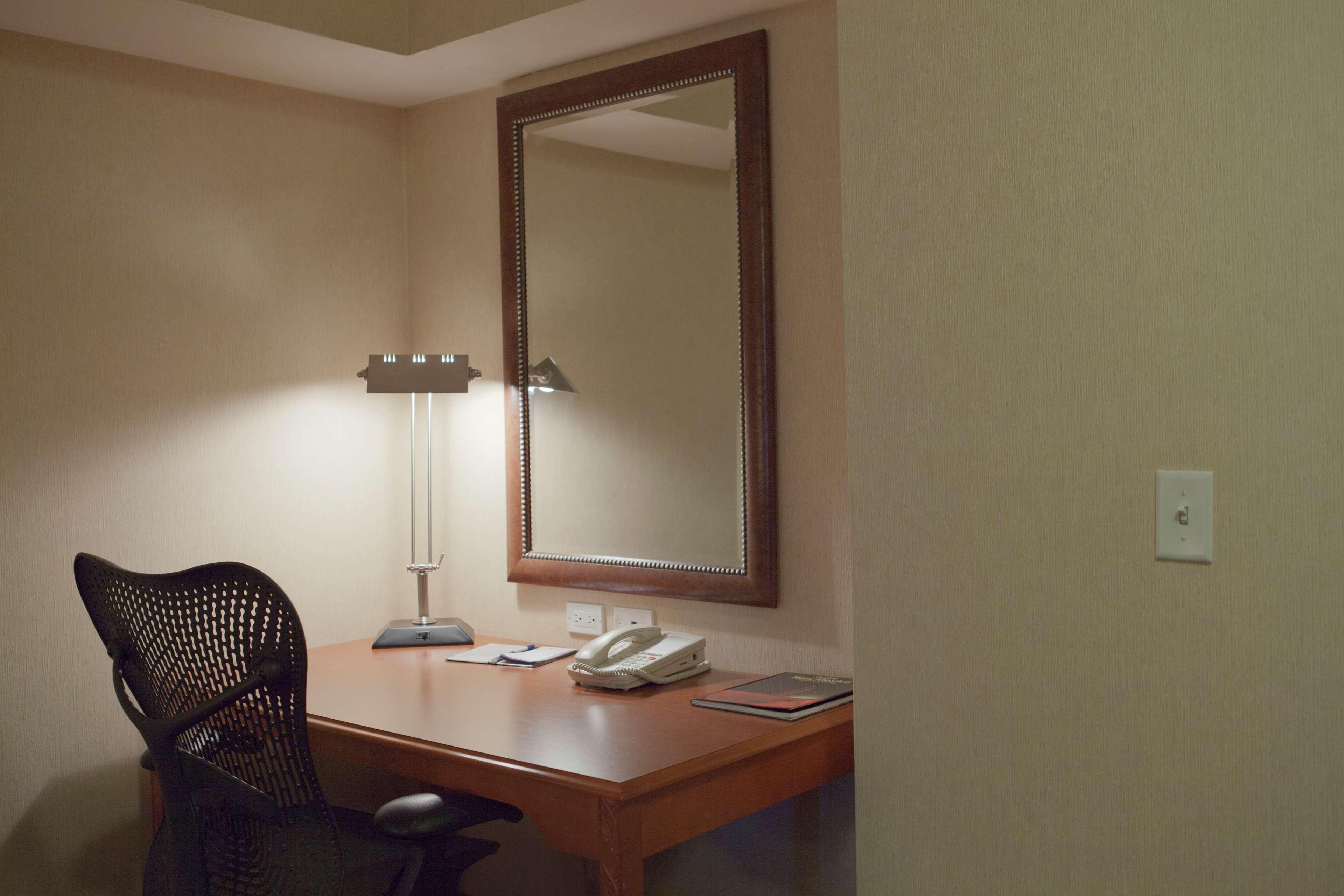 Hilton Garden Inn Albuquerque/Journal Center image 28
