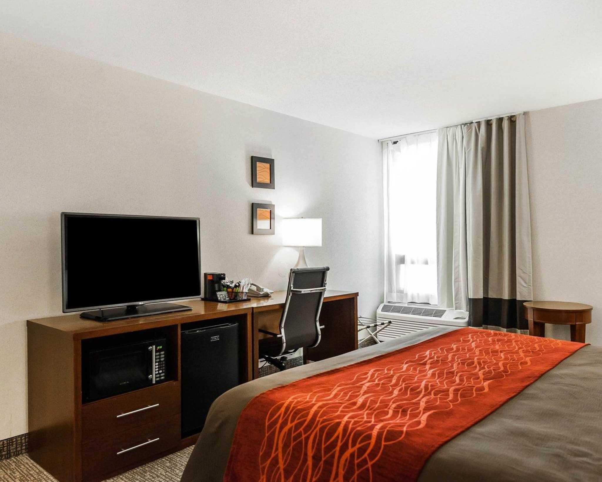 Comfort Inn Denver East image 5