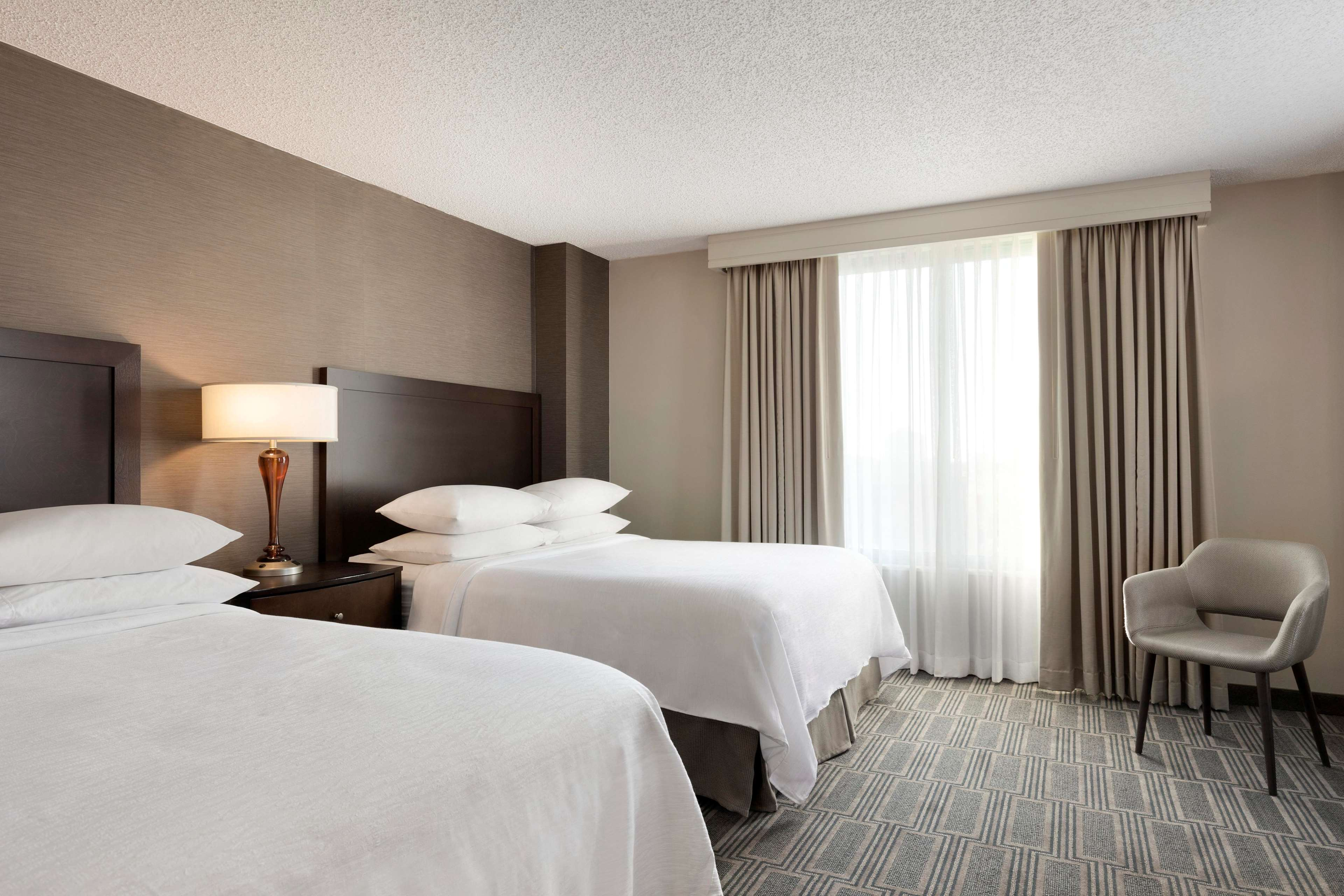 Embassy Suites by Hilton Chicago Lombard Oak Brook image 30