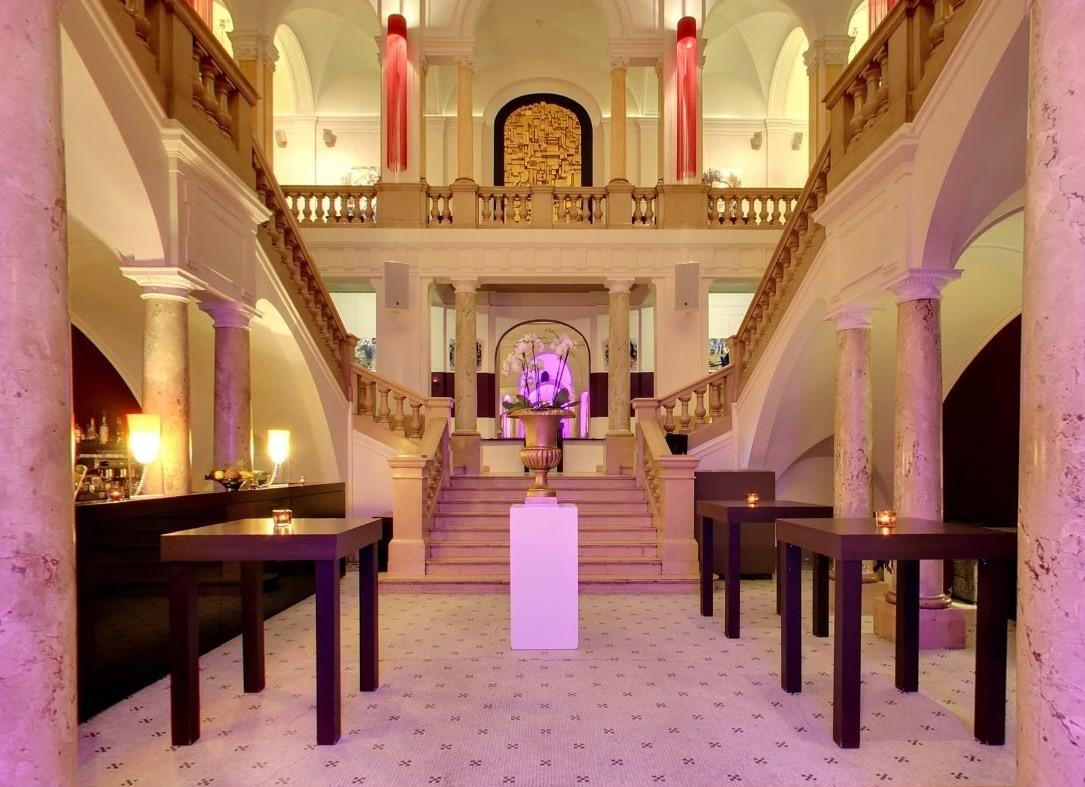 Atrium der Kameha Suite Frankfurt