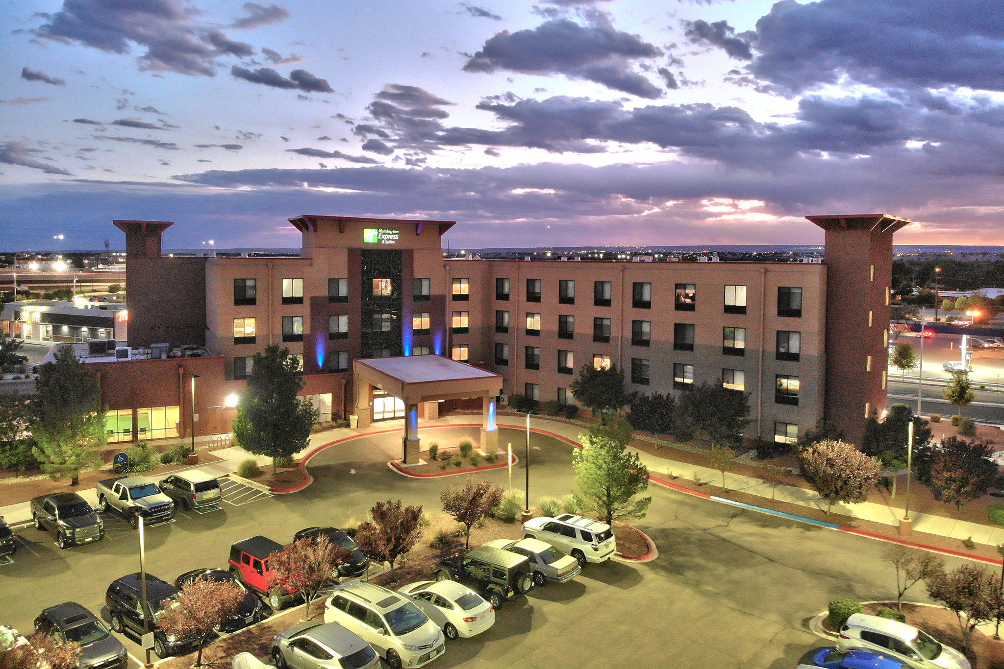 Holiday Inn Express & Suites Albuquerque Historic Old Town, an IHG Hotel