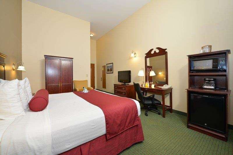 Best Western The Hotel Chequamegon image 5