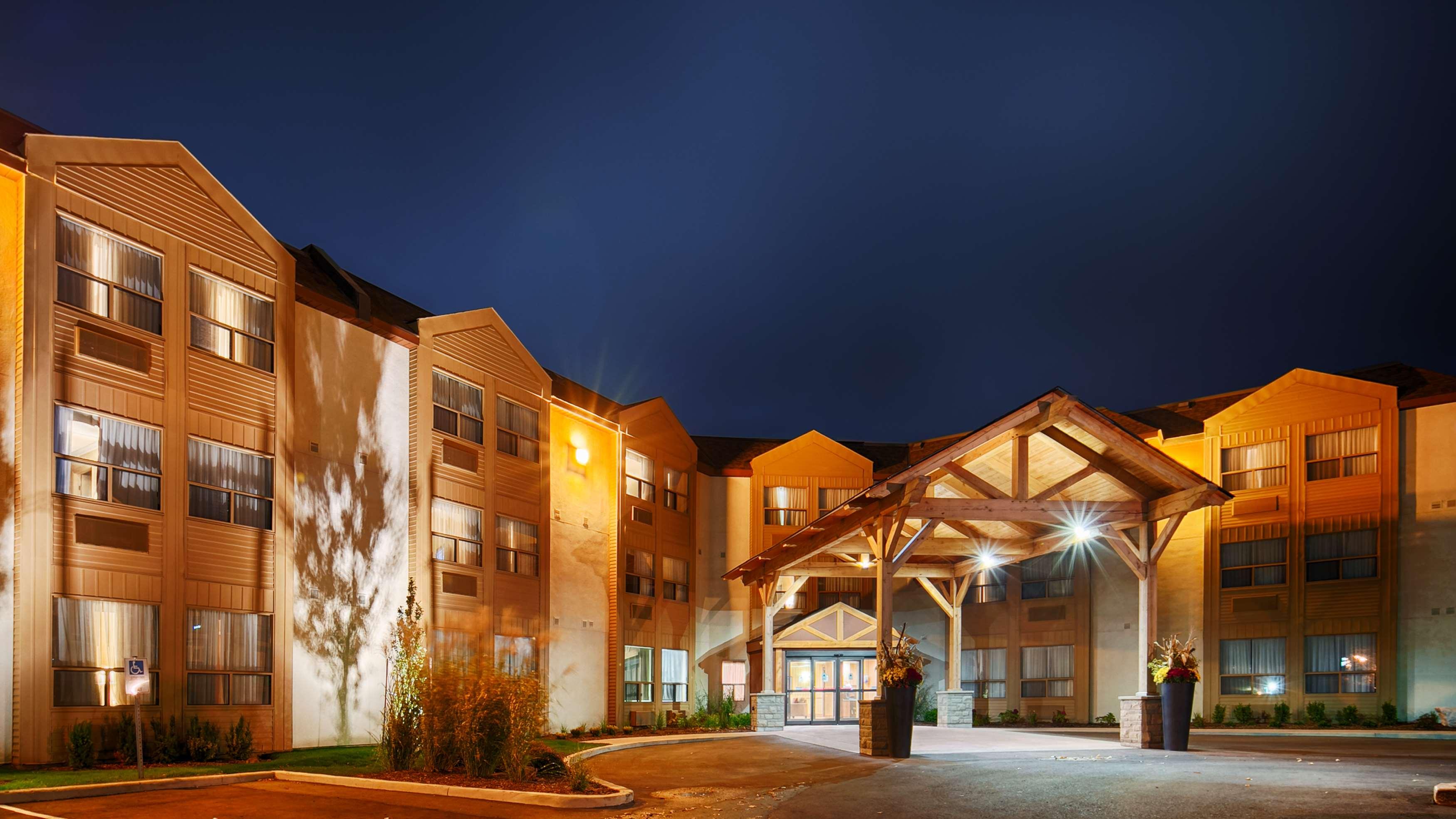Best Western Plus Rose City Suites in Welland: BEST WESTERN PLUS Rose City Suites