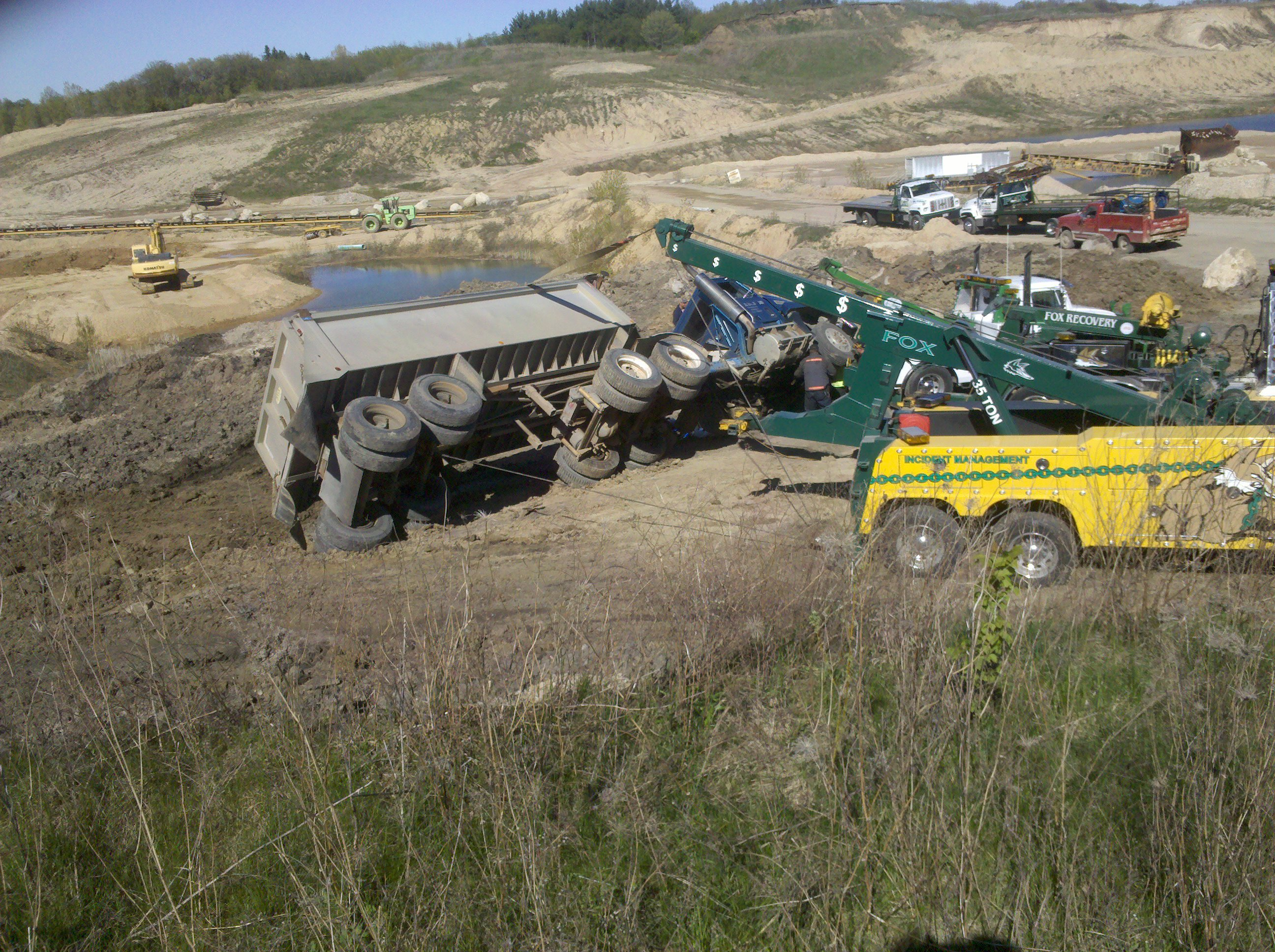 Fox Recovery  and  Towing image 3