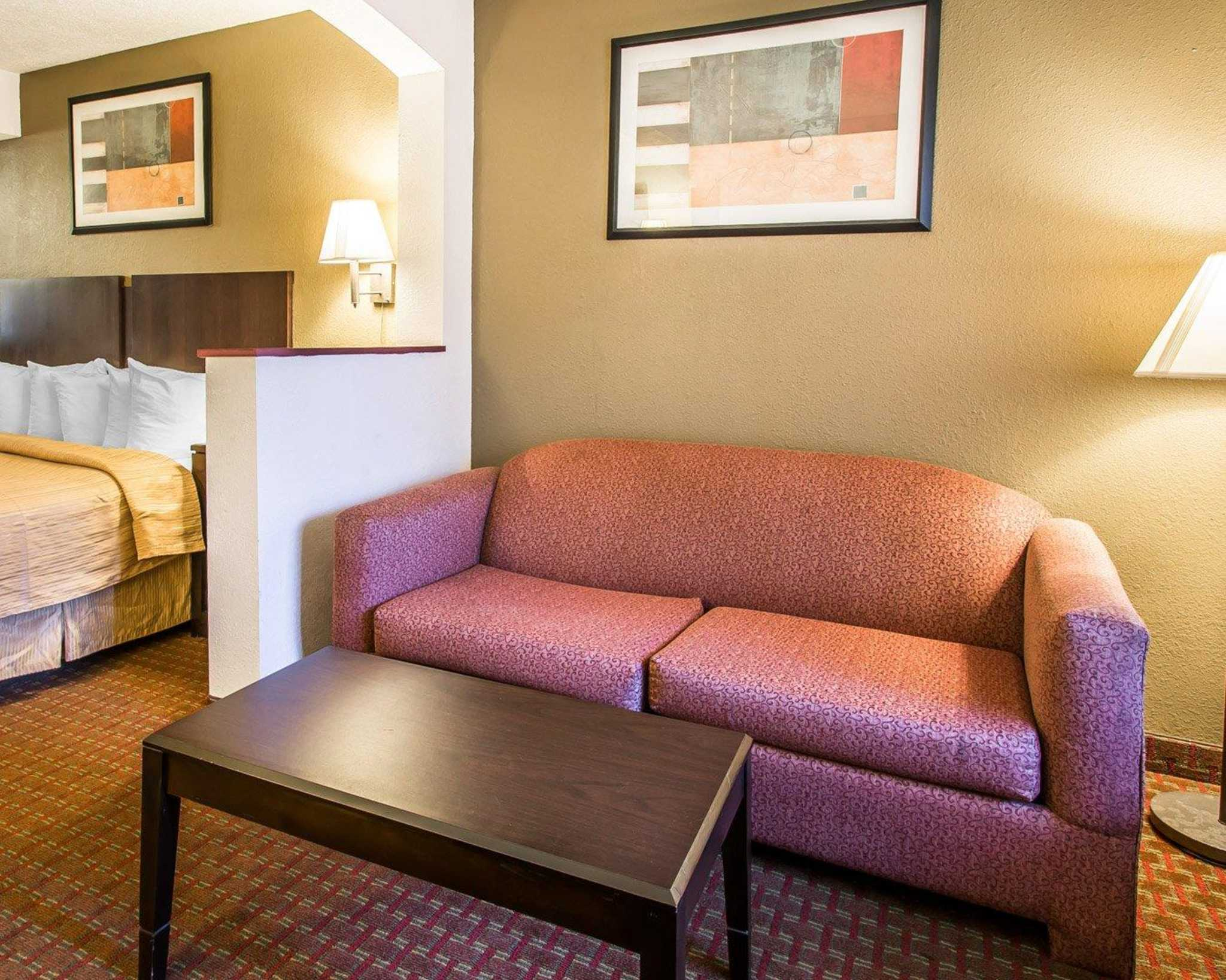 Quality Inn & Suites image 40