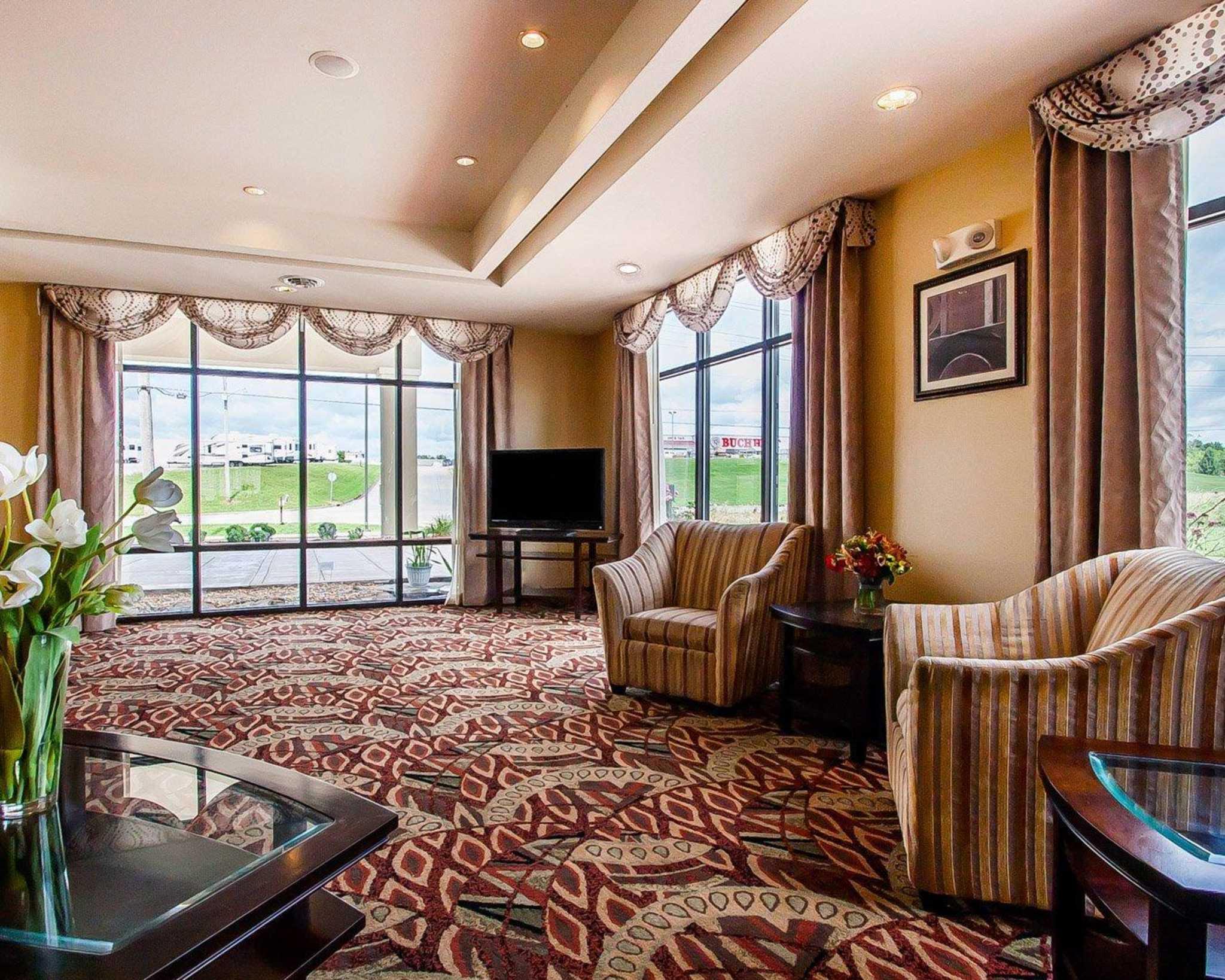 Comfort Suites Jackson-Cape Girardeau image 17