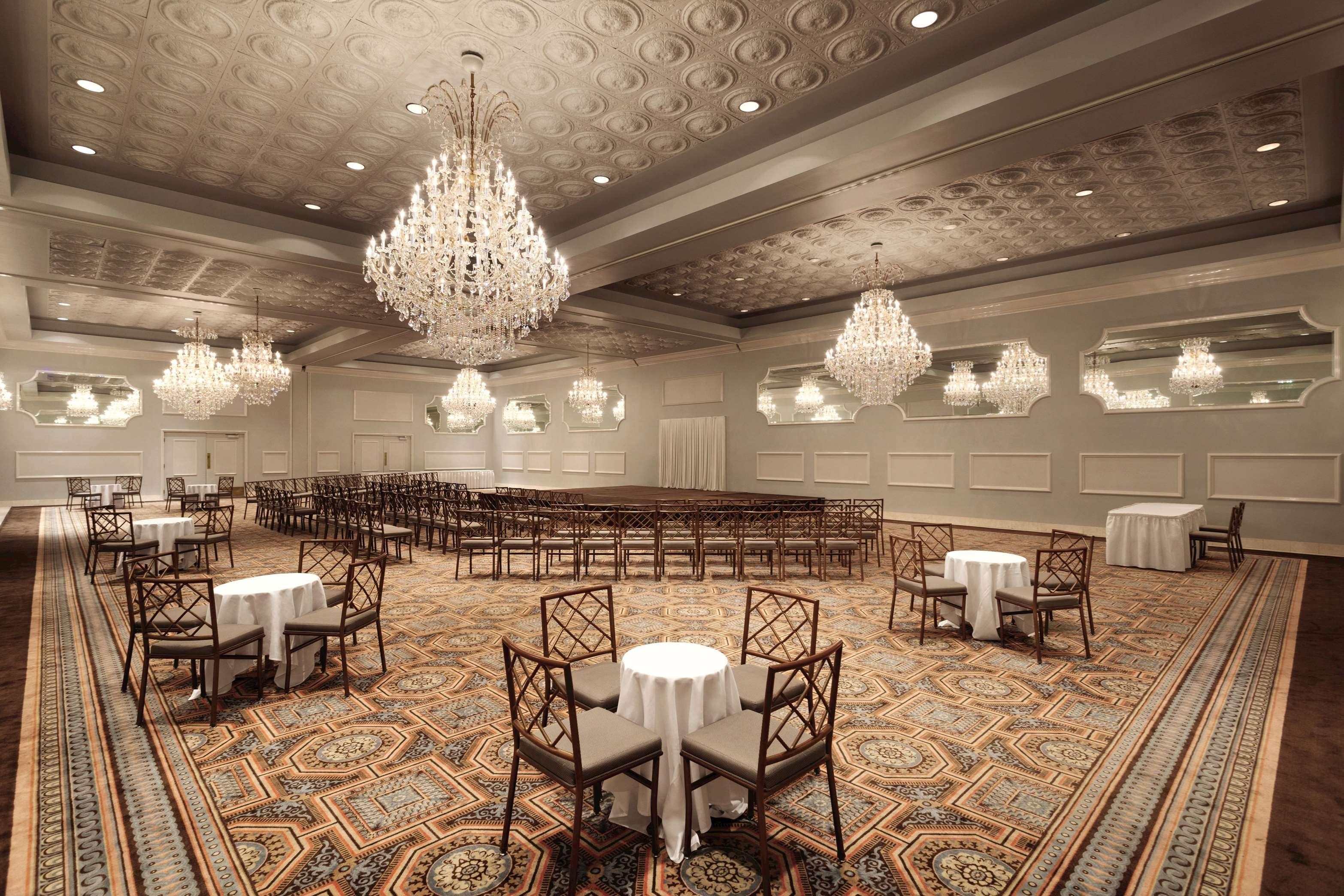 Hilton Chicago/Oak Brook Suites image 34