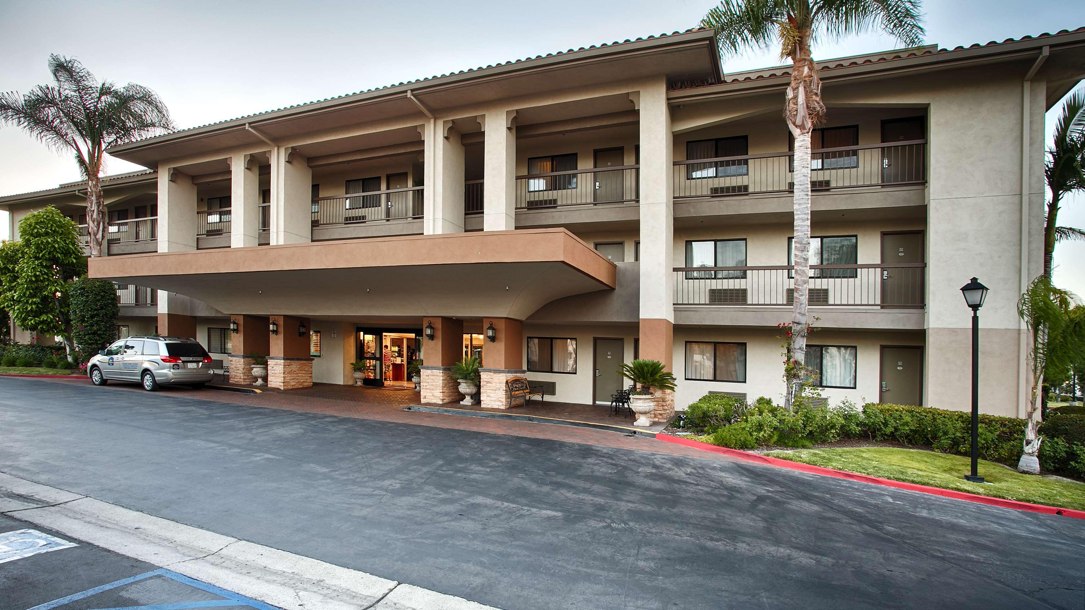 Best western plus orange county airport north 2700 hotel - Maison d architecte orange county californie ...