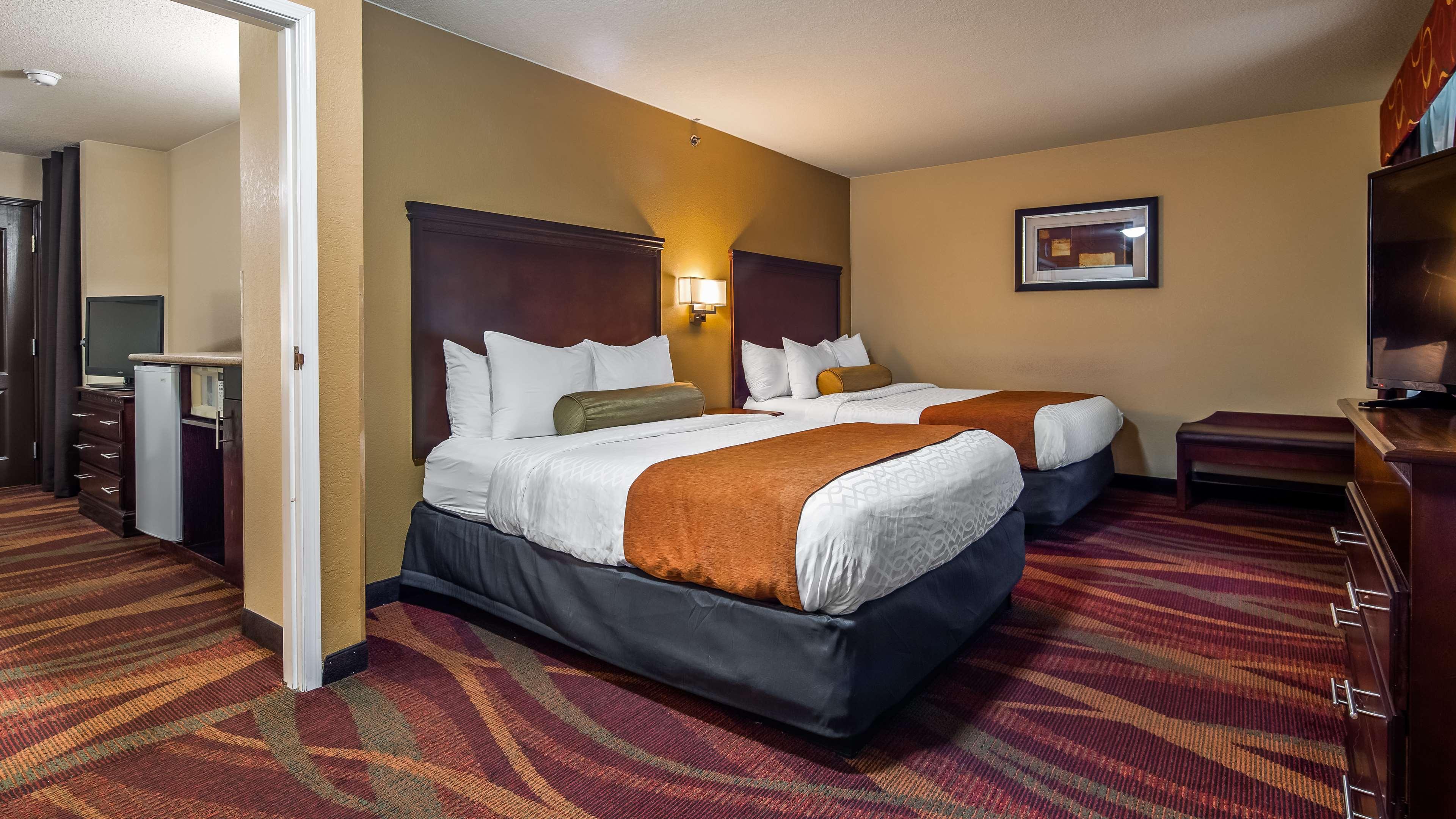 Best Western Plus Fort Wayne Inn & Suites North image 2