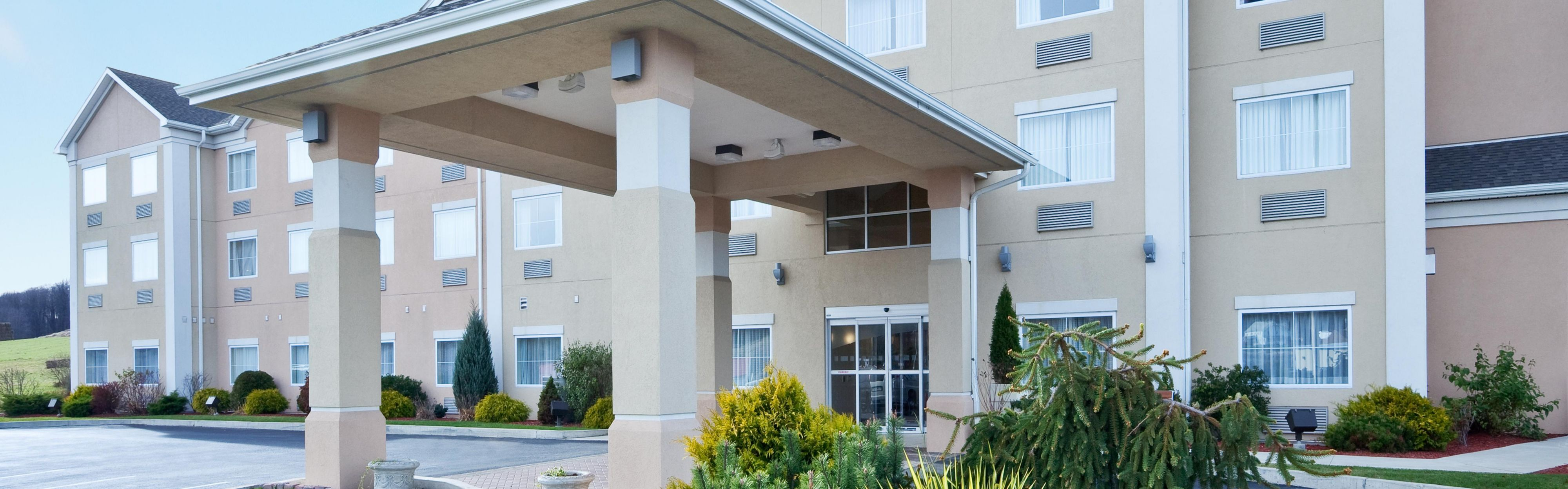 Holiday Inn Express & Suites Gibson image 0