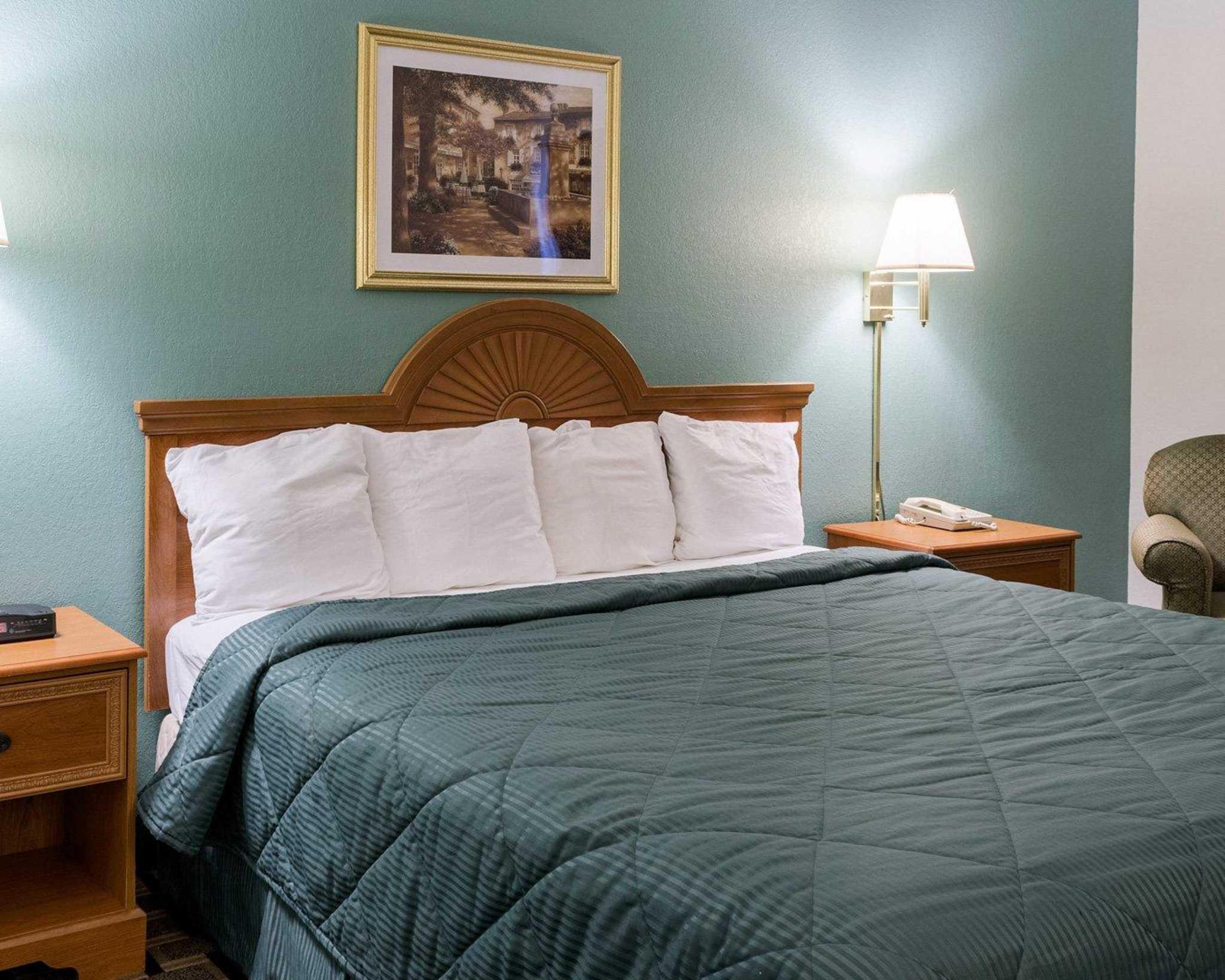 Quality Inn image 6