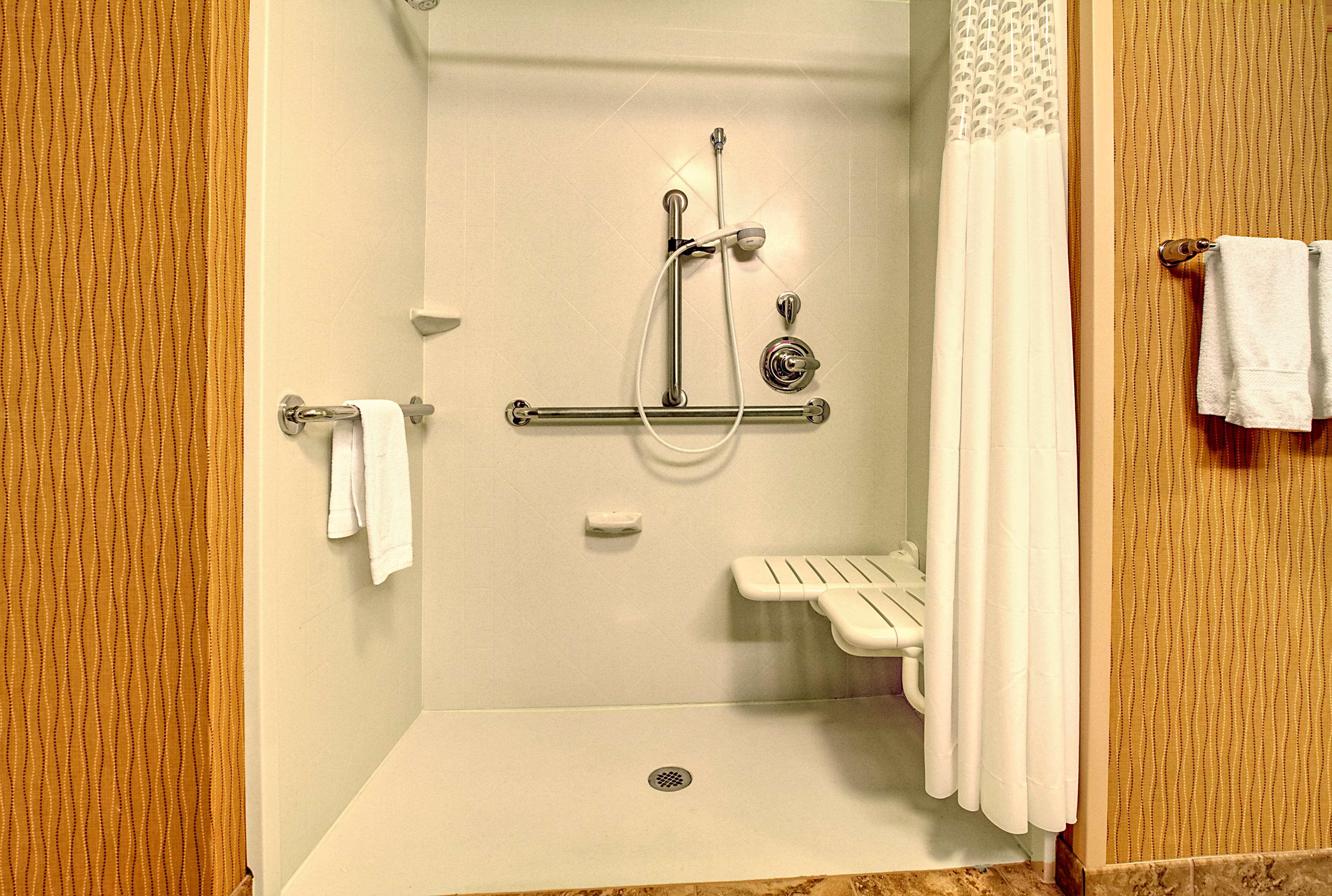 Hampton Inn & Suites Rochester/Henrietta image 20
