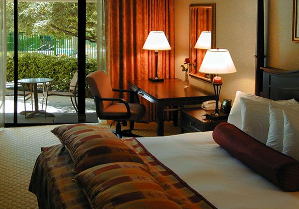 DoubleTree by Hilton Hotel Newark - Fremont image 15