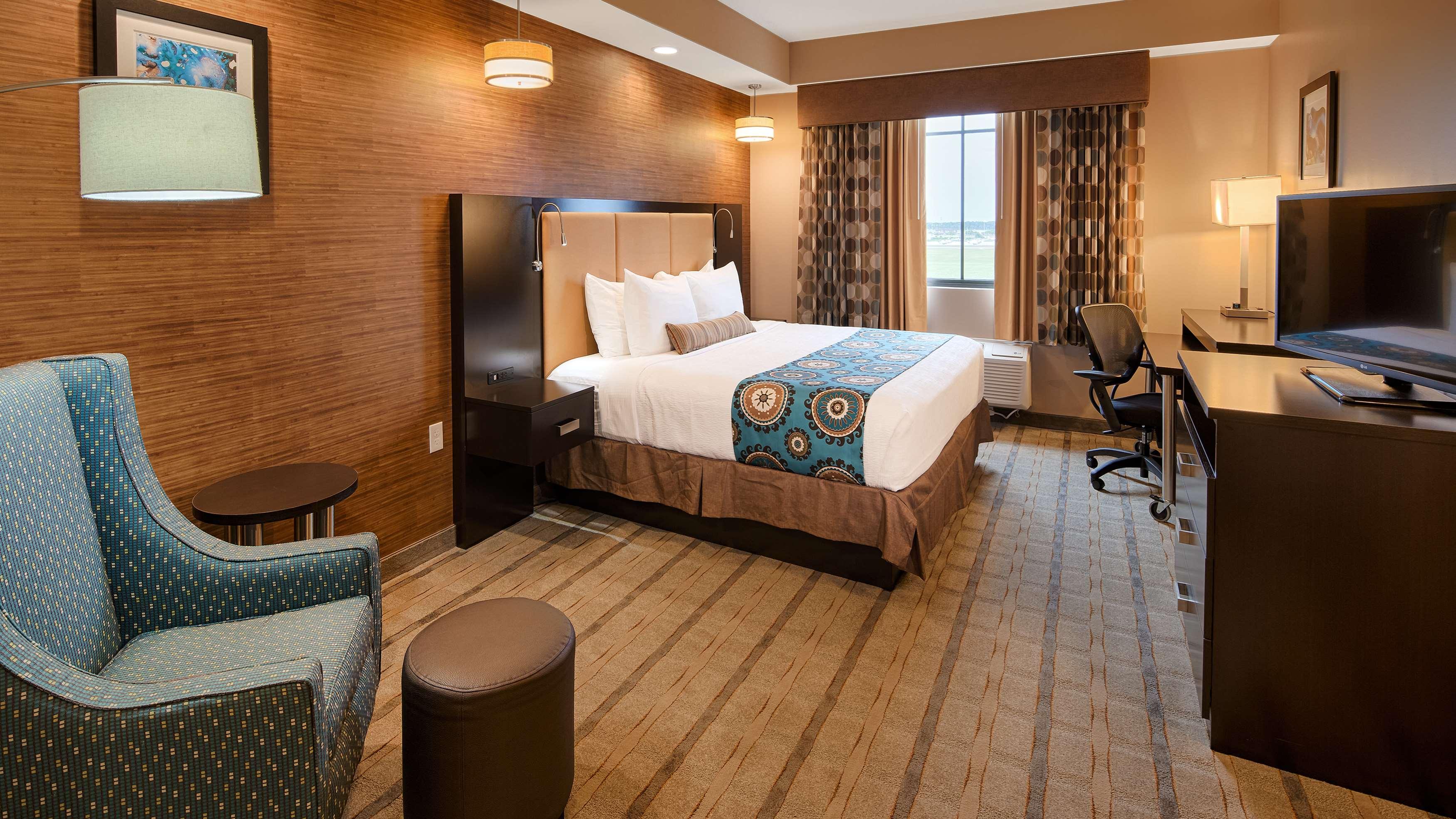 Best Western Plus Kendall Airport Hotel & Suites image 20