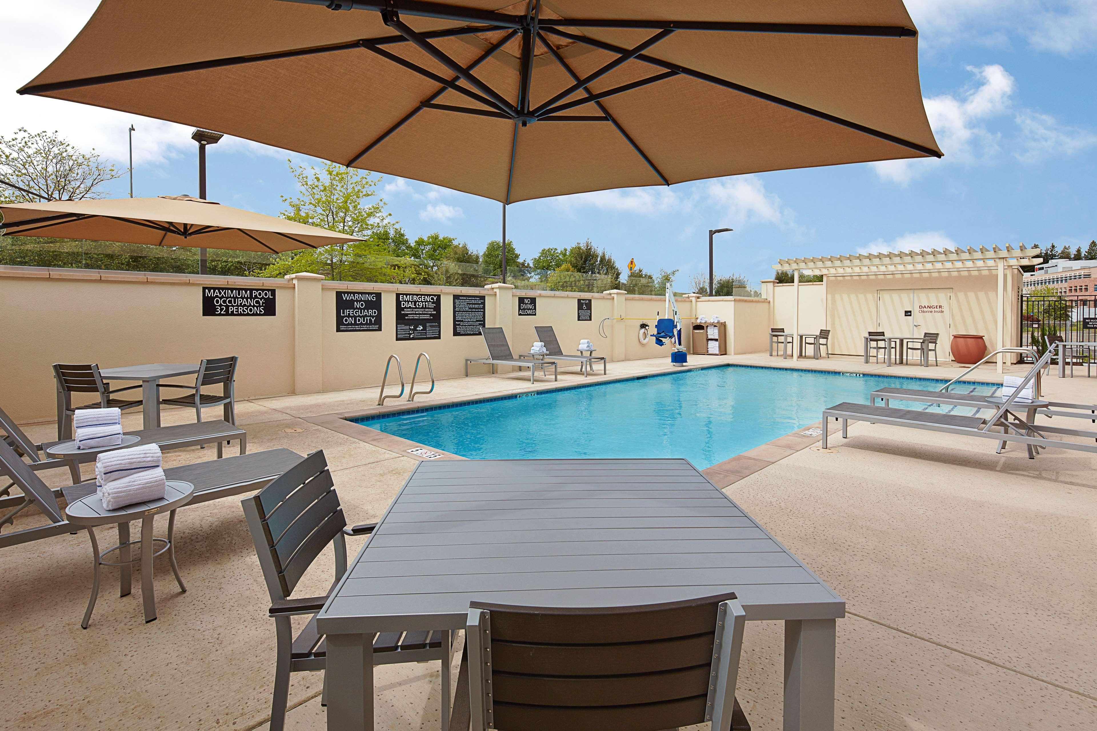 Hampton Inn & Suites Sacramento at CSUS image 11